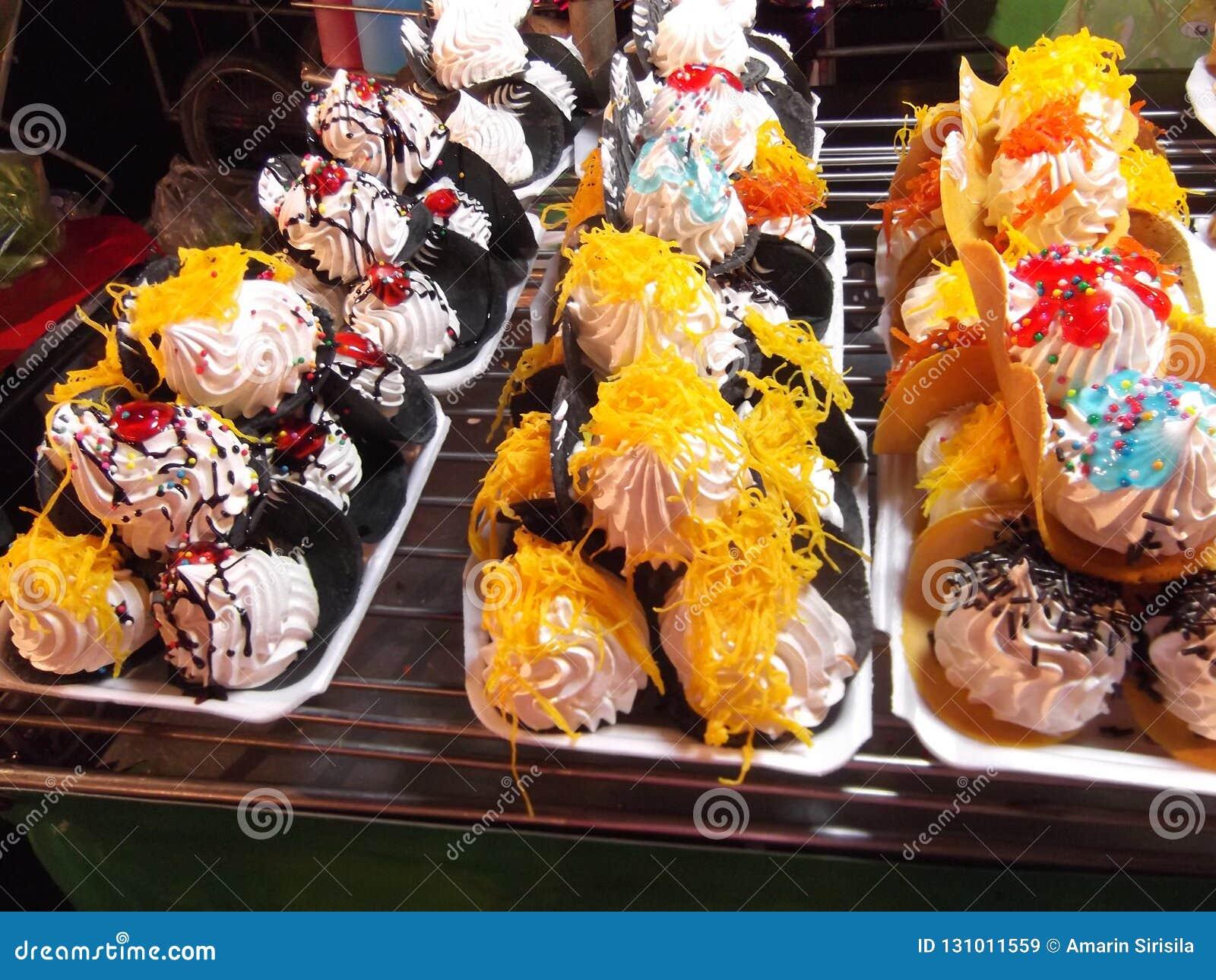Красивая тайская конфета, еда улицы, фестиваль Будды, Samutprakarn, Таиланд