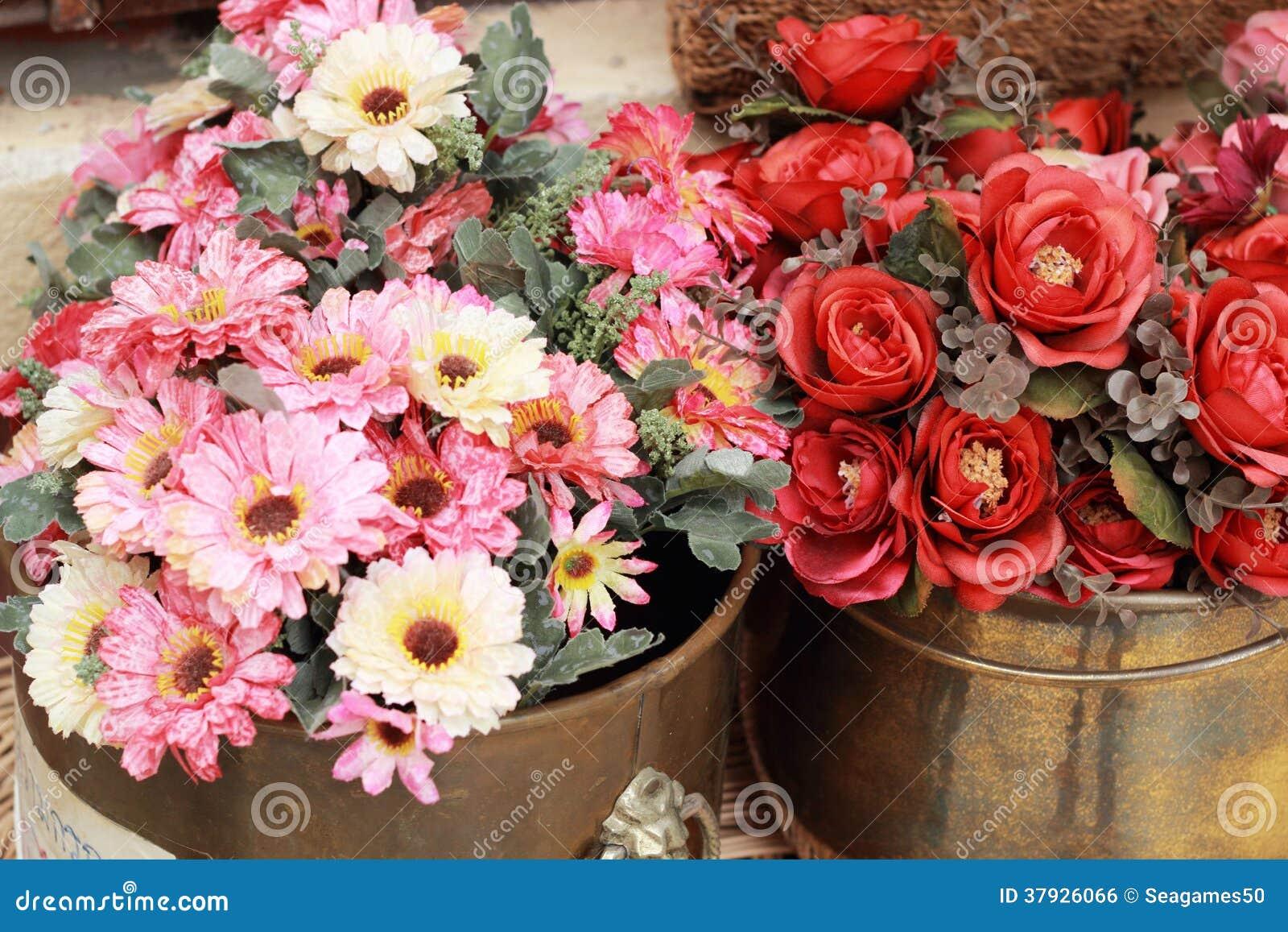 Красивая хризантема искусственных цветков