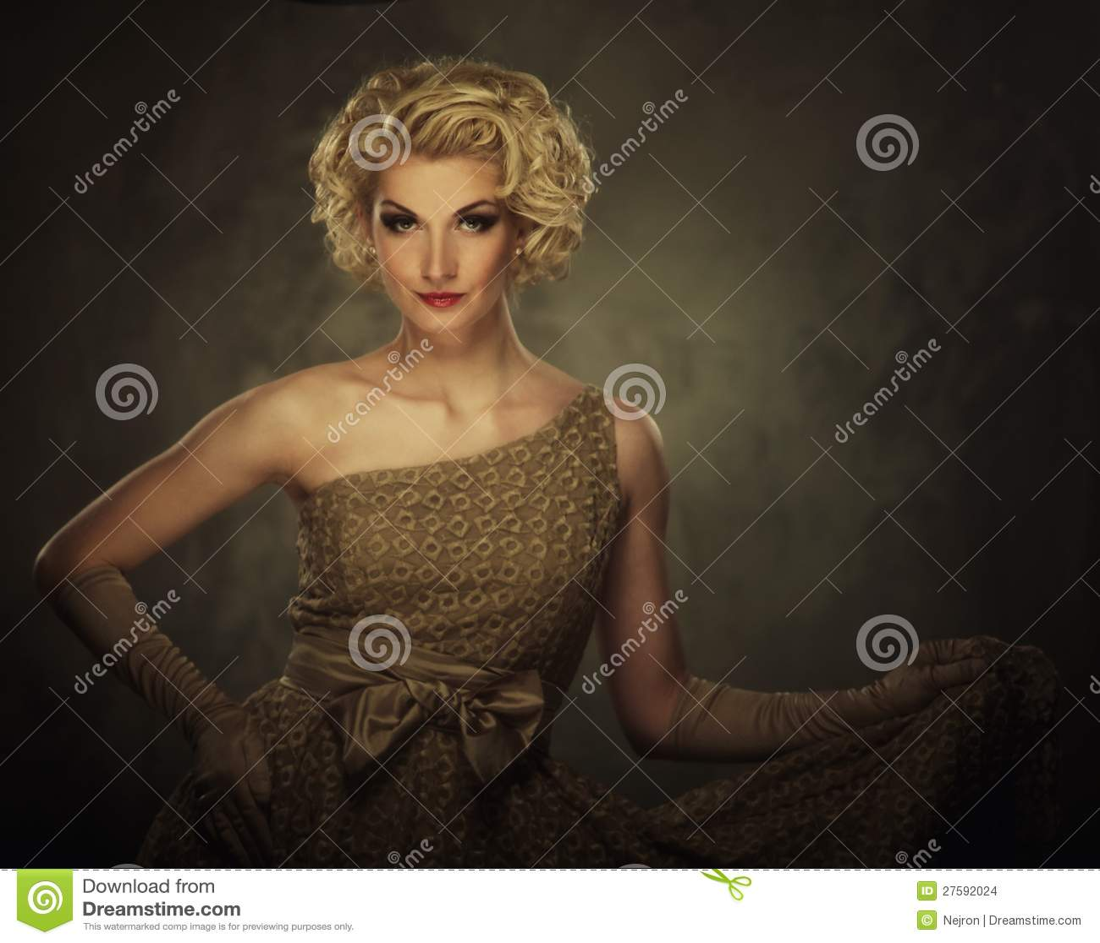 Красивейшая белокурая женщина