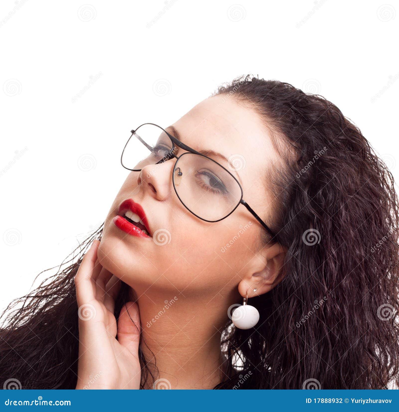 красивейшая женщина портрета курчавых волос