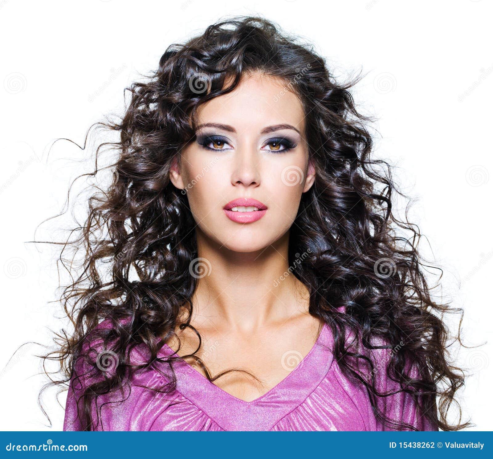 красивейшая женщина стороны брюнет
