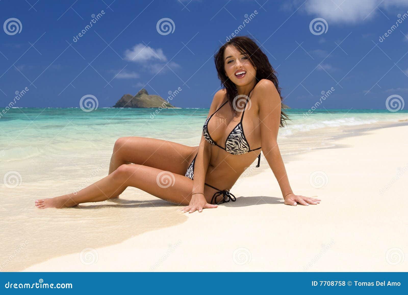 Фото девушек на пляже гавайев