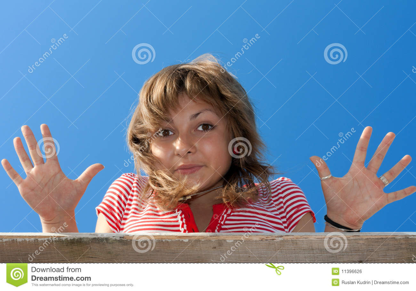 Девка показывает рабочее очко фото 757-67