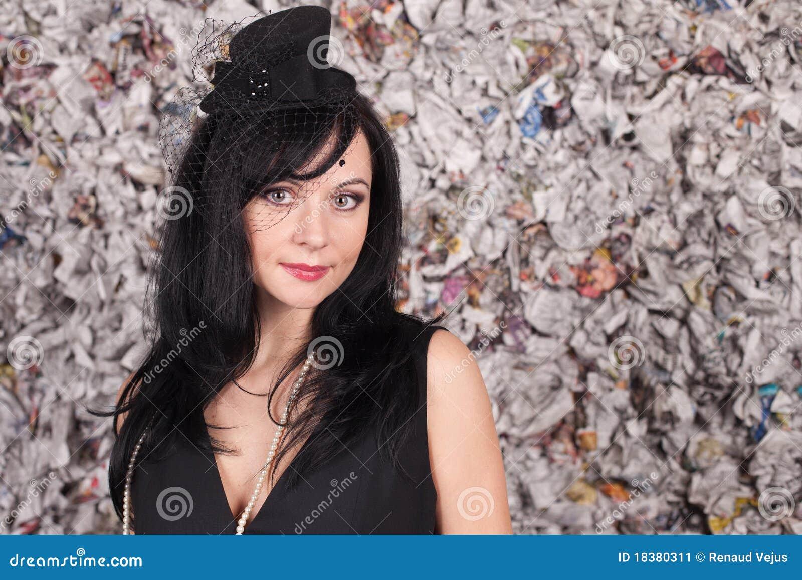красивейшая повелительница черной шляпы