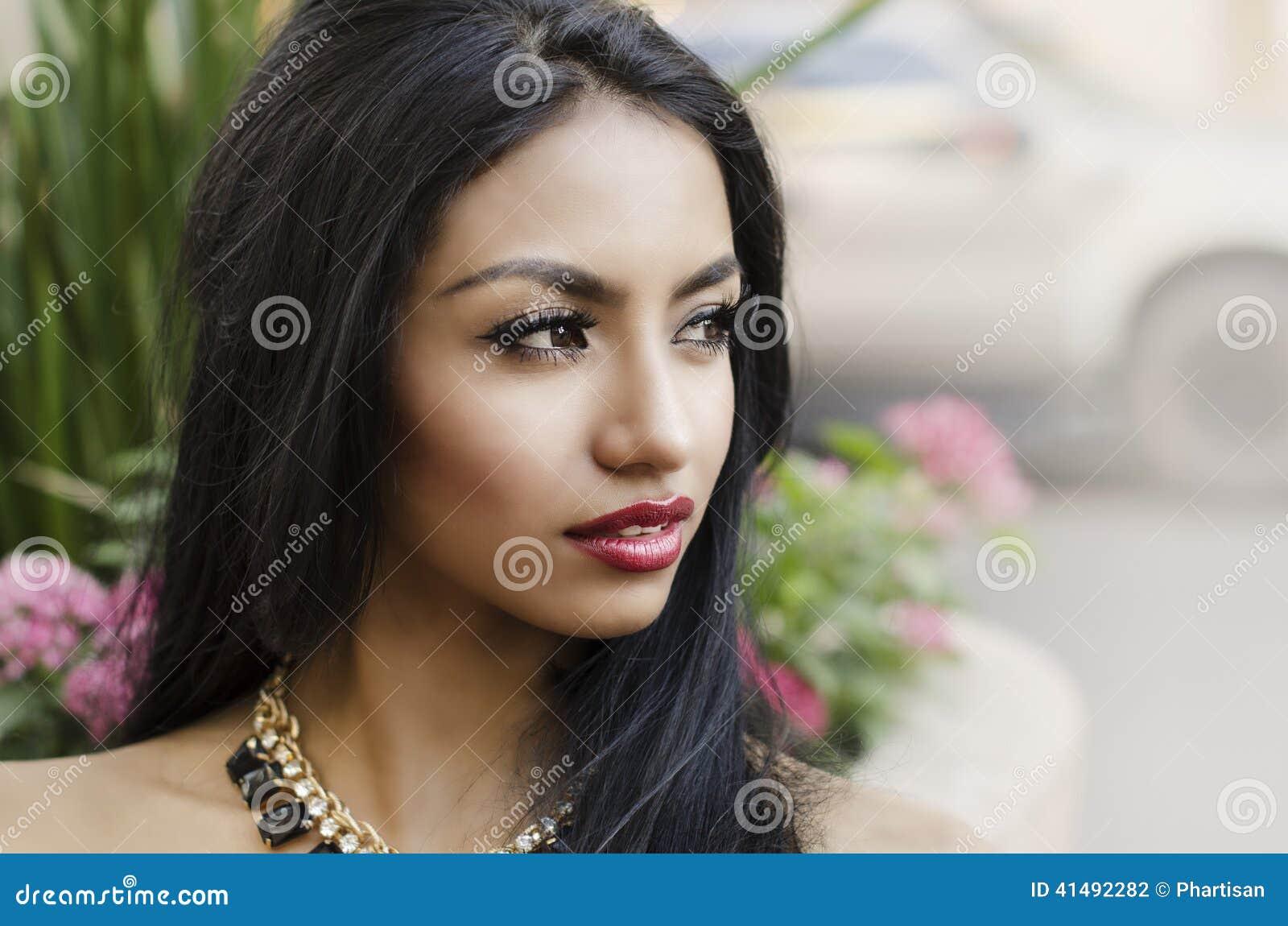 красивейшая шикарная женщина