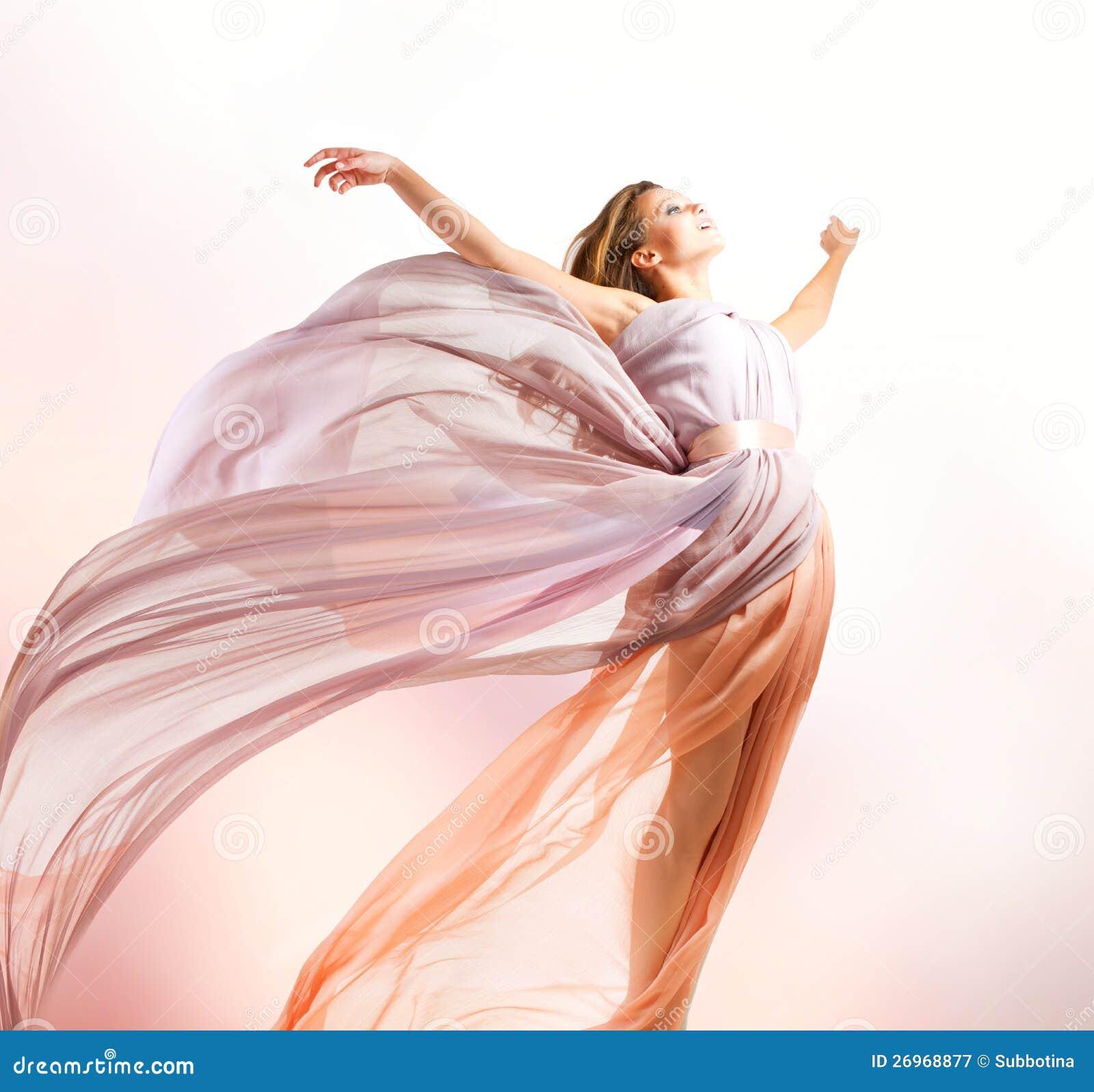 Красивейшее летание девушки