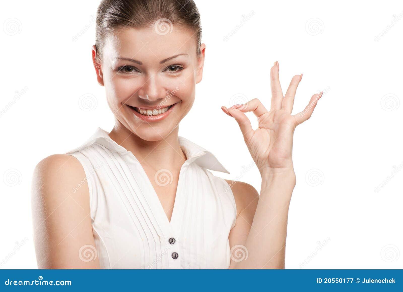 Красивейшее о кей signaling молодой женщины