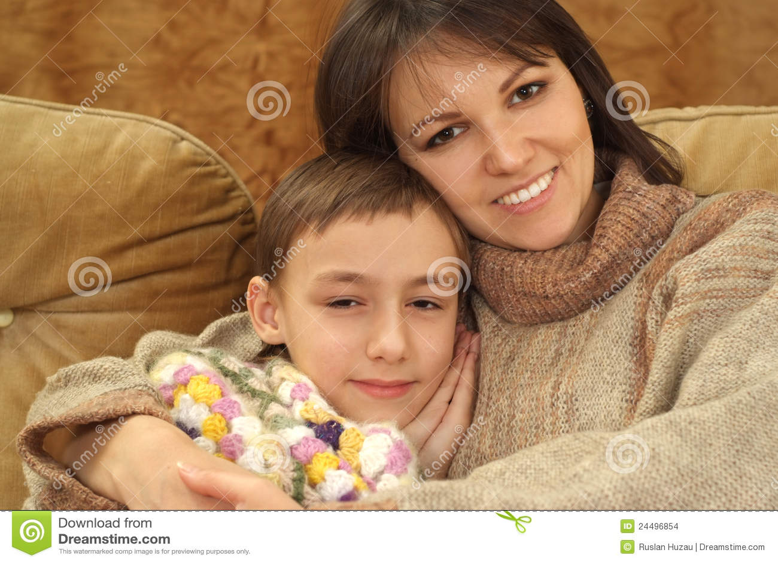 Секс мымы с сыном фото, Регулярный инцент матери и сына (28 фото) 24 фотография