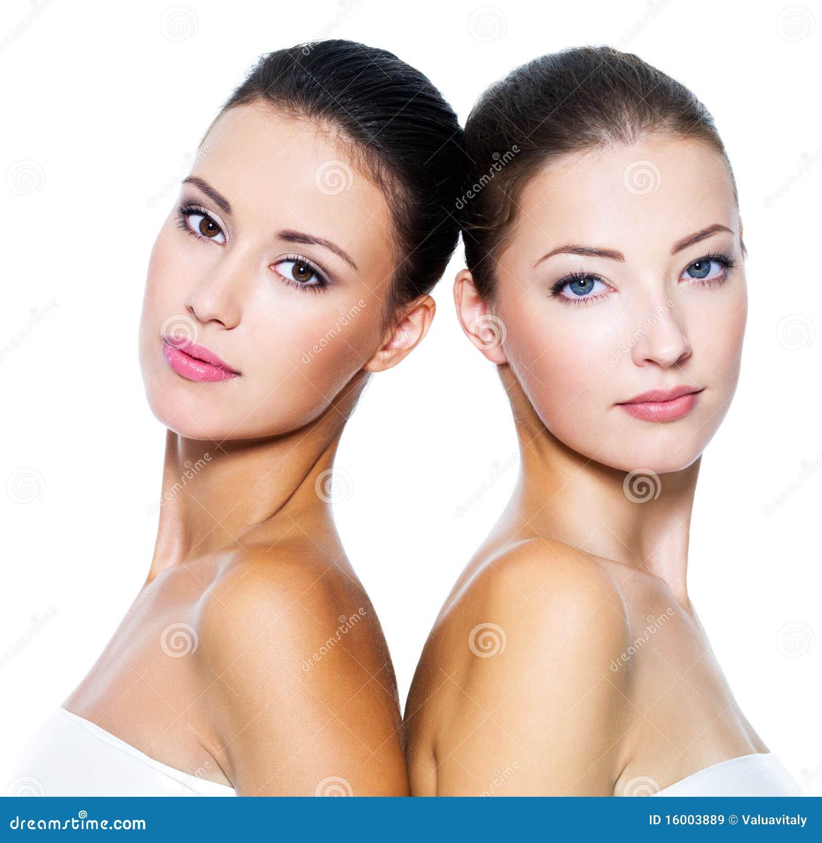 красивейшие сексуальные 2 женщины