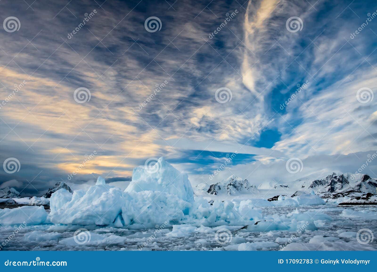 красивейший покрынный снежок гор
