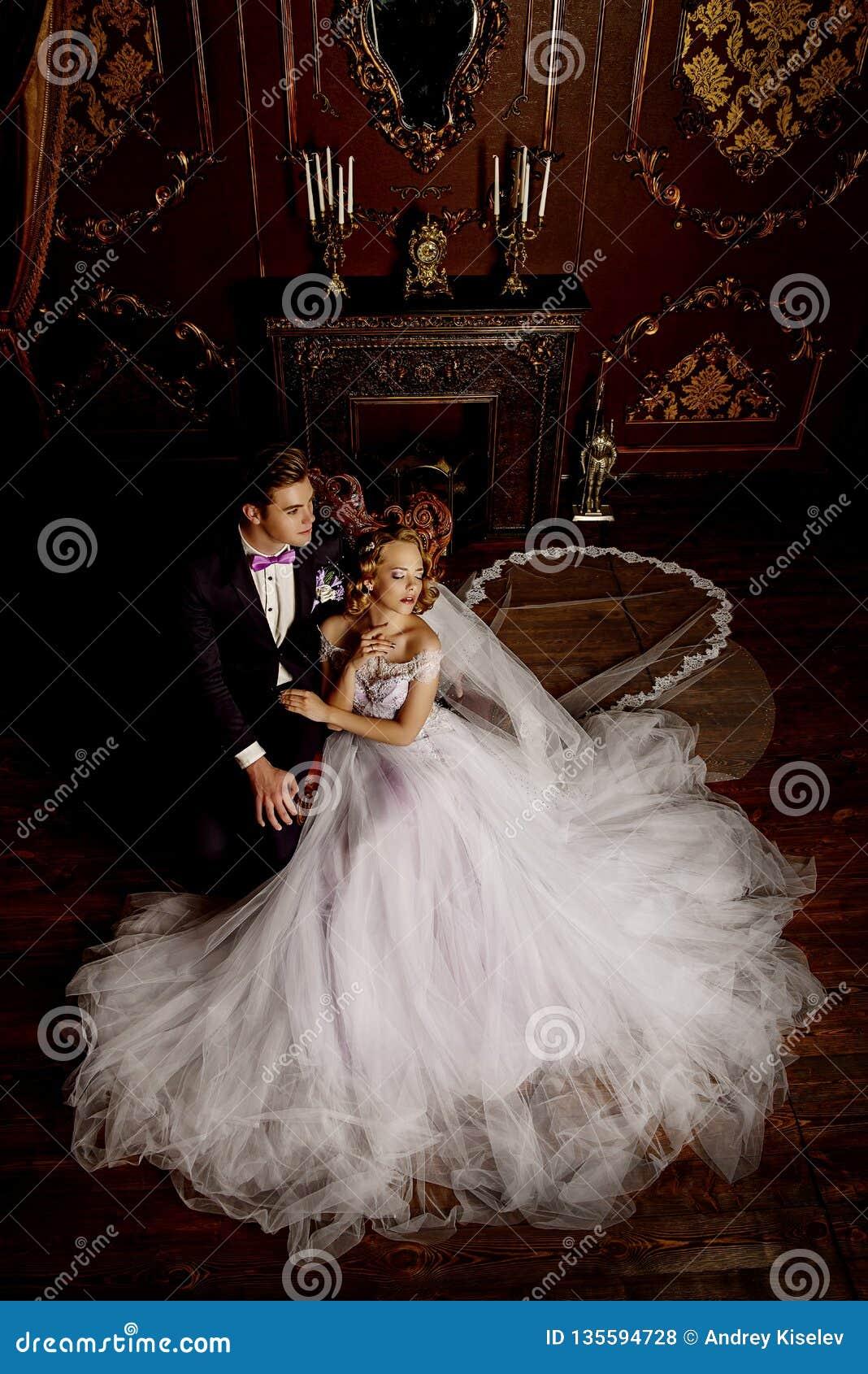 красивейший groom невесты