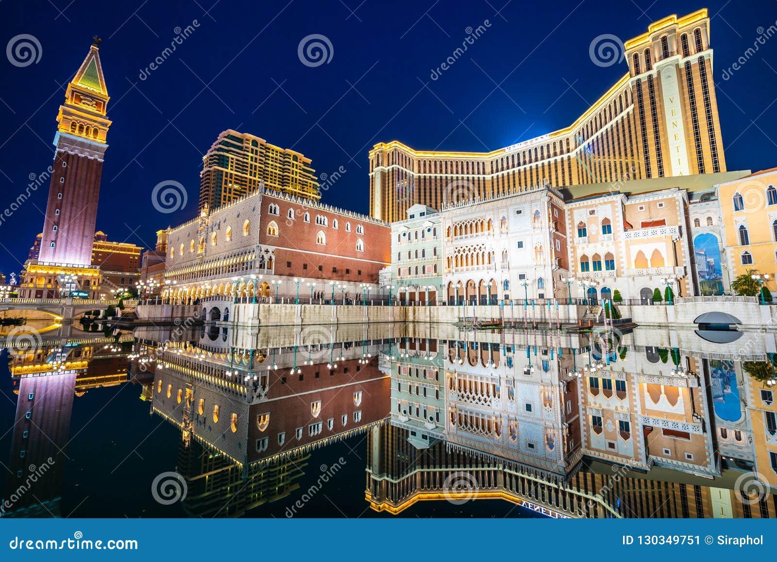 Красивое здание архитектуры венецианского и другого reso гостиницы