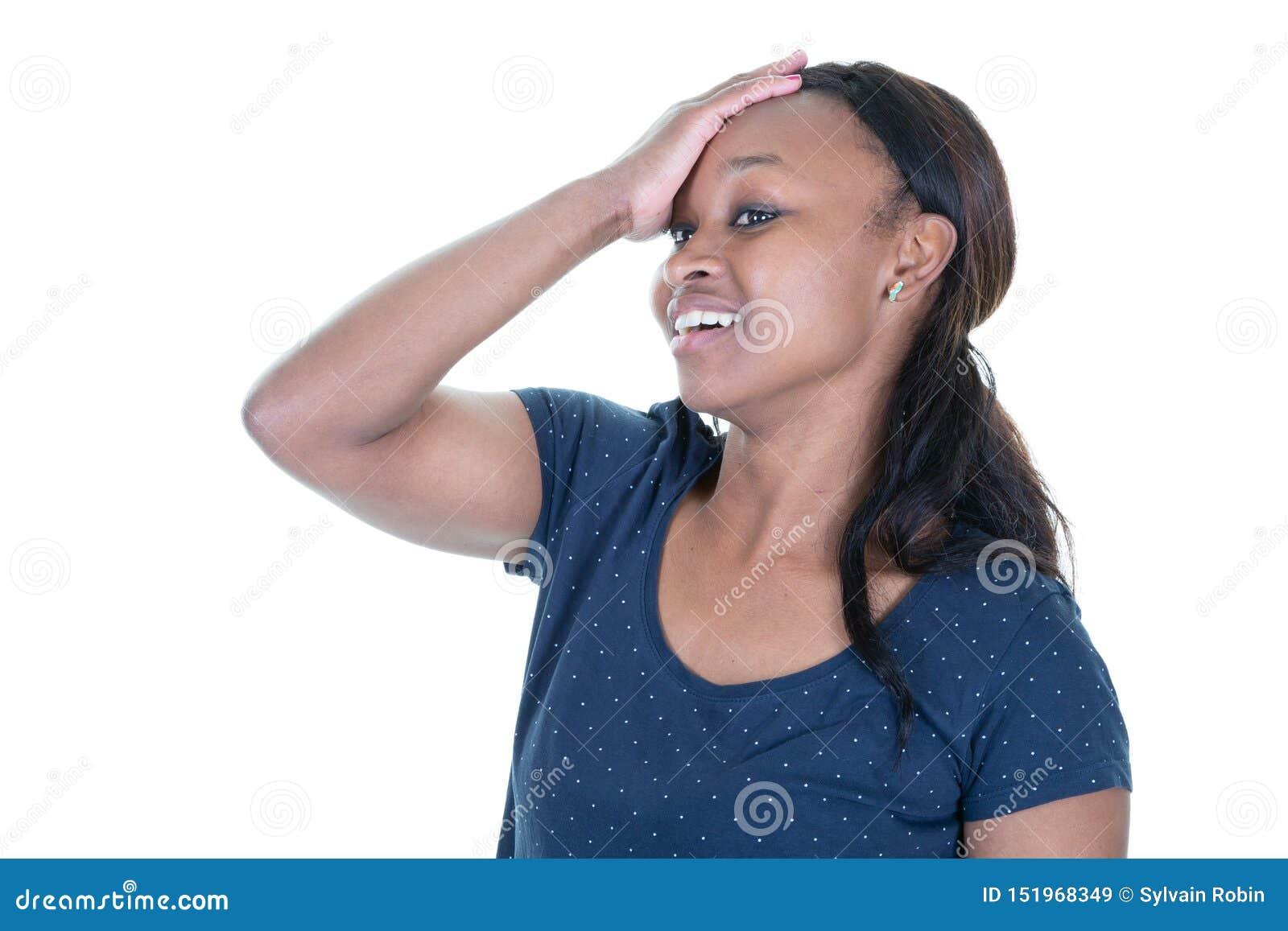 Красивой африканской женщина африканца применять обложку к чернотой с сильной головной болью на белой предпосылке