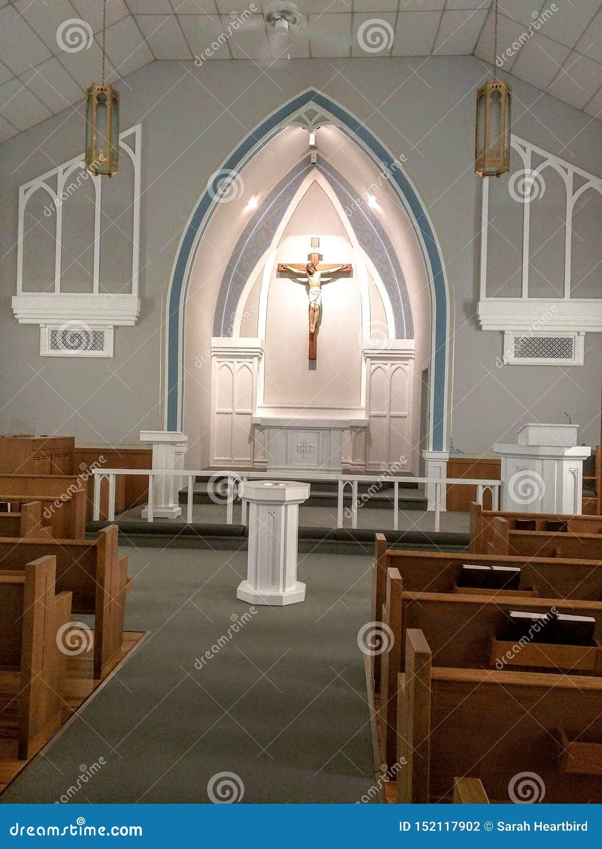 Красивые восстановленные церков - старая церковь