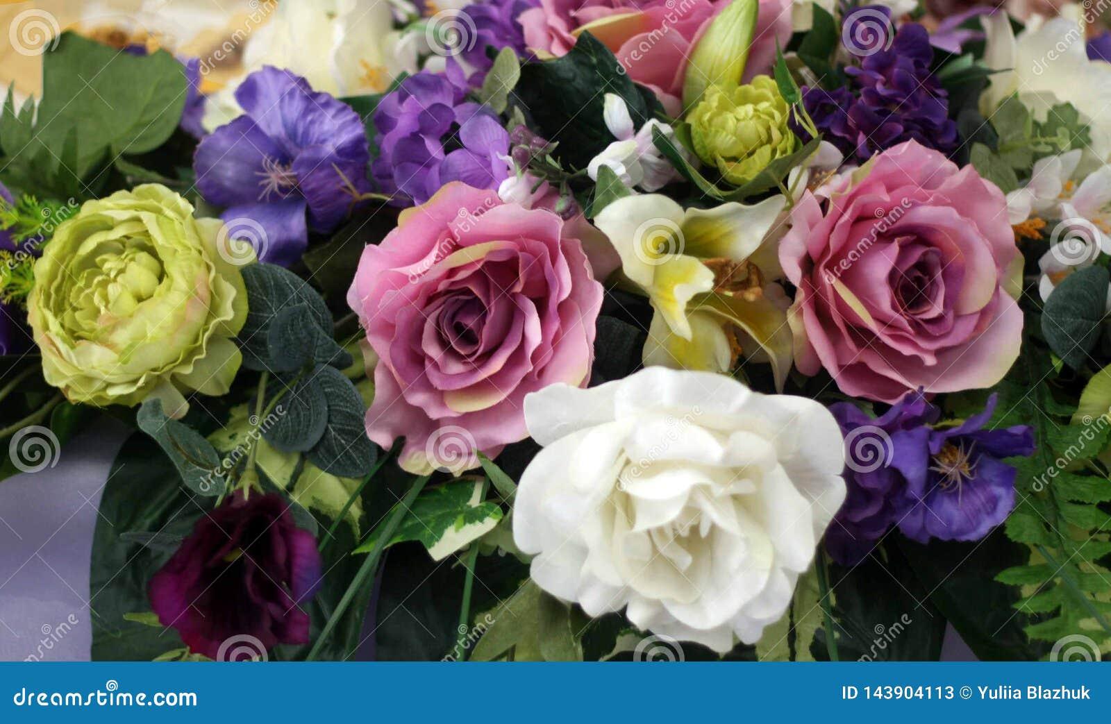 Красивые праздничные украшения красочных цветков