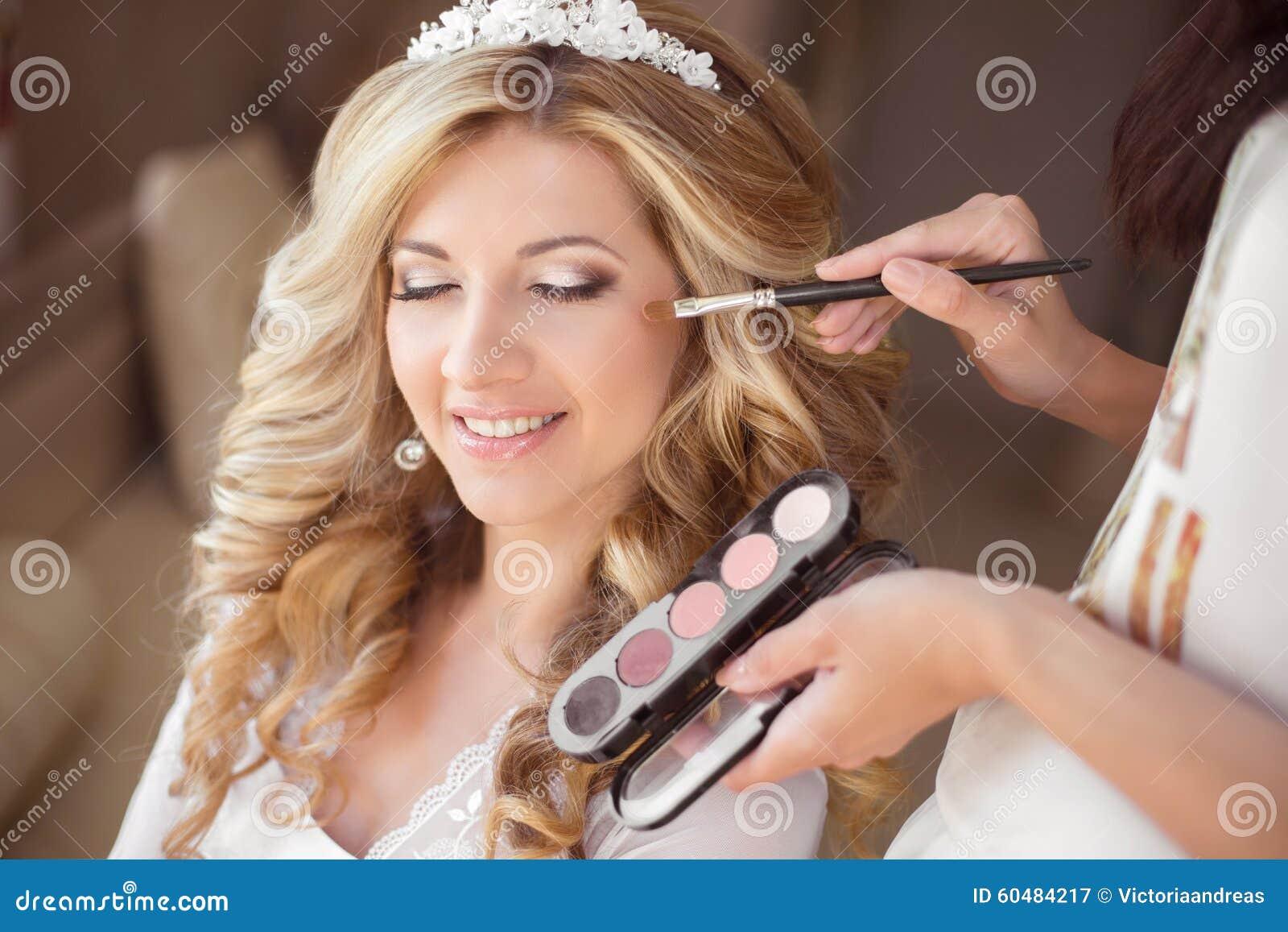 Красивая молодая делает — photo 10