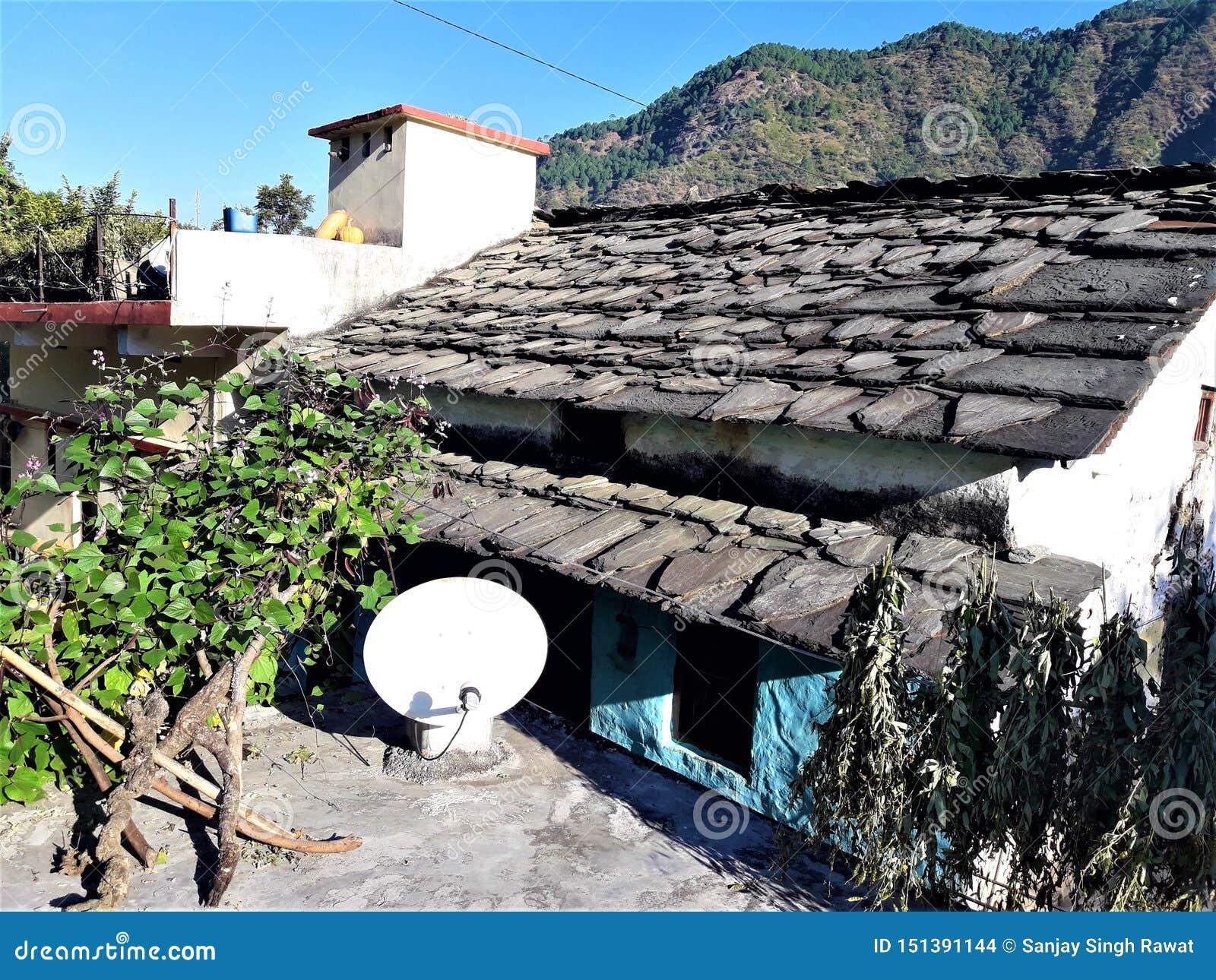 Красивый вид дома в деревне в Индии