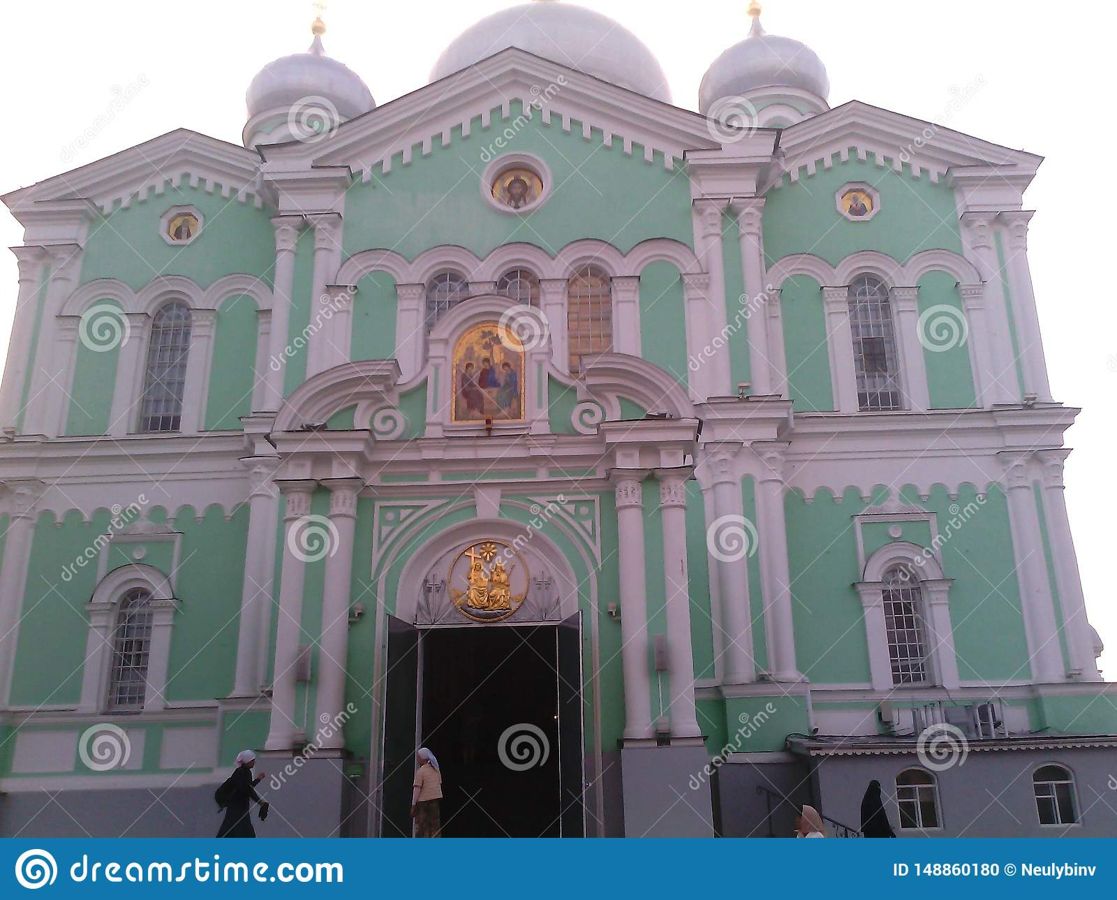 Красивый вид монастыря виска