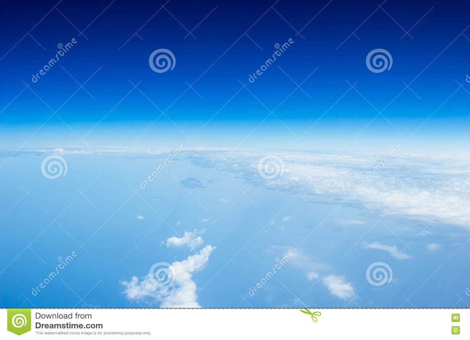 Красивый вид над облаками
