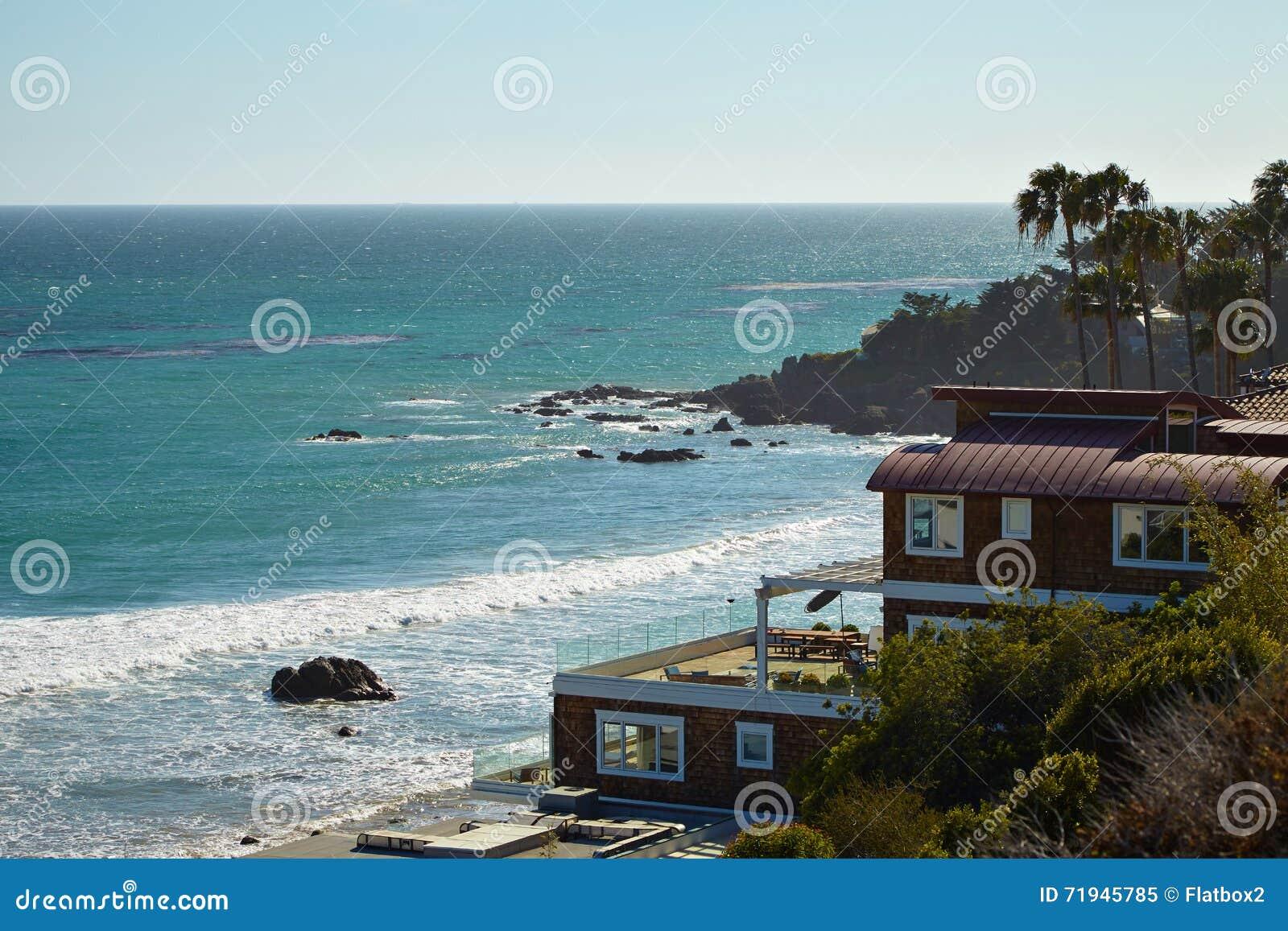 Красивый вид пляжа положения Dume пункта