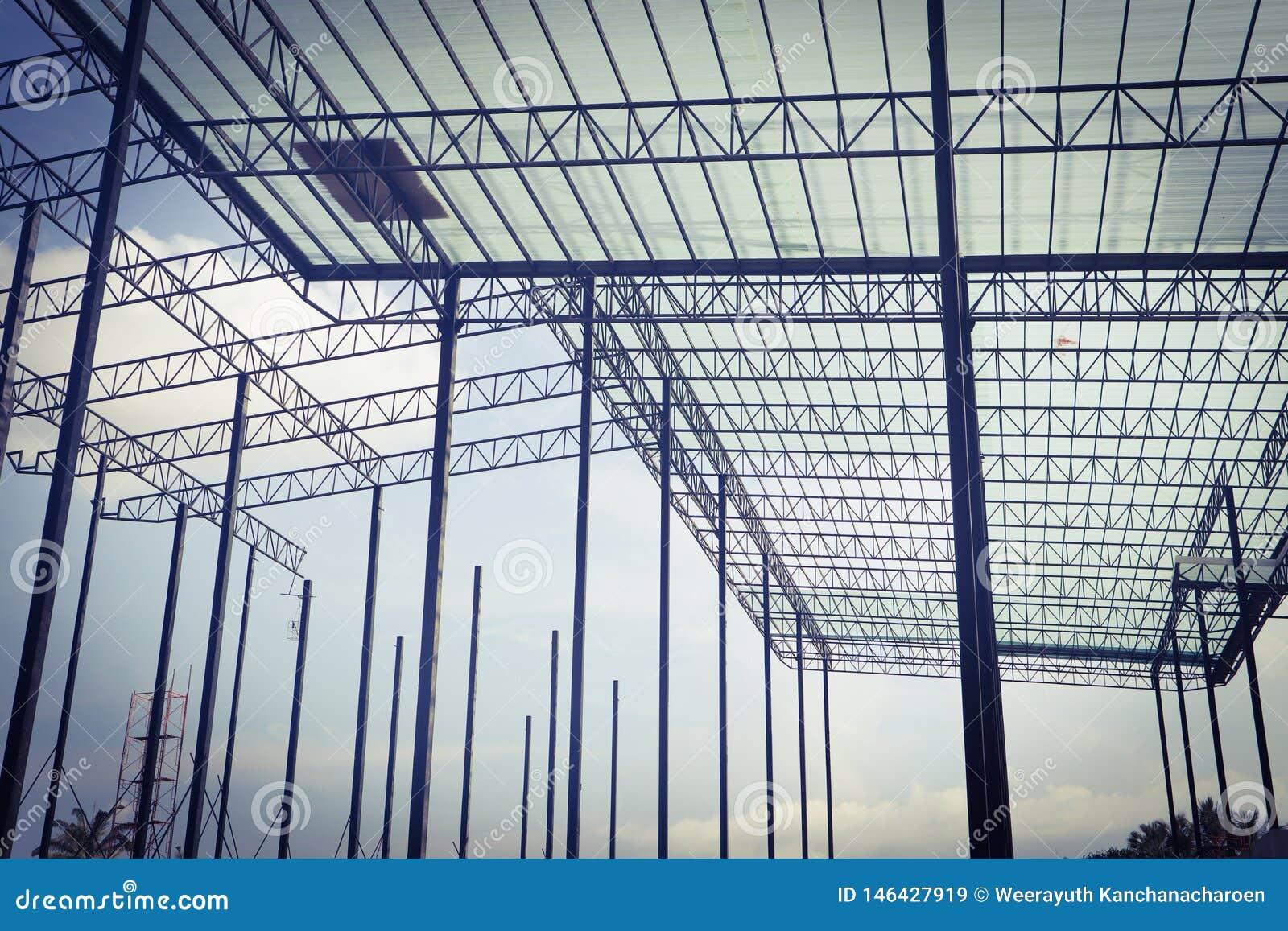 Красивый дизайн конструкции зданий железного каркаса металла крупного плана