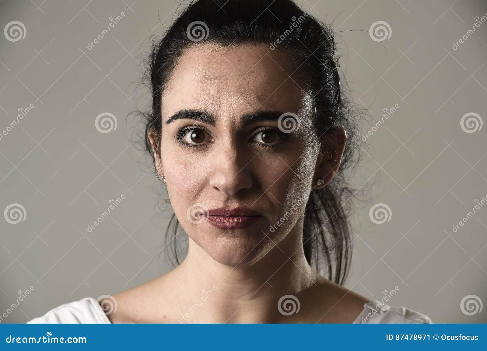Смс девушке про ее красивые глаза