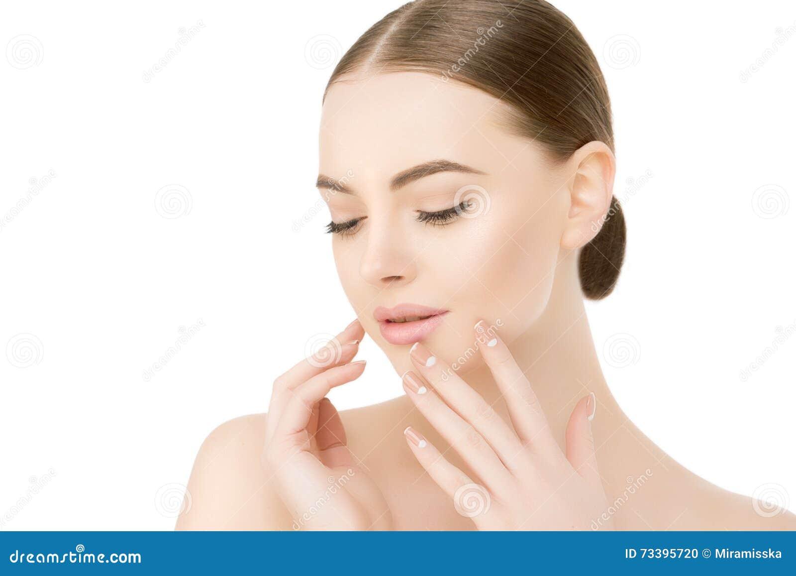 Красивый конец стороны женщины вверх по студии на белой модели f курорта красоты