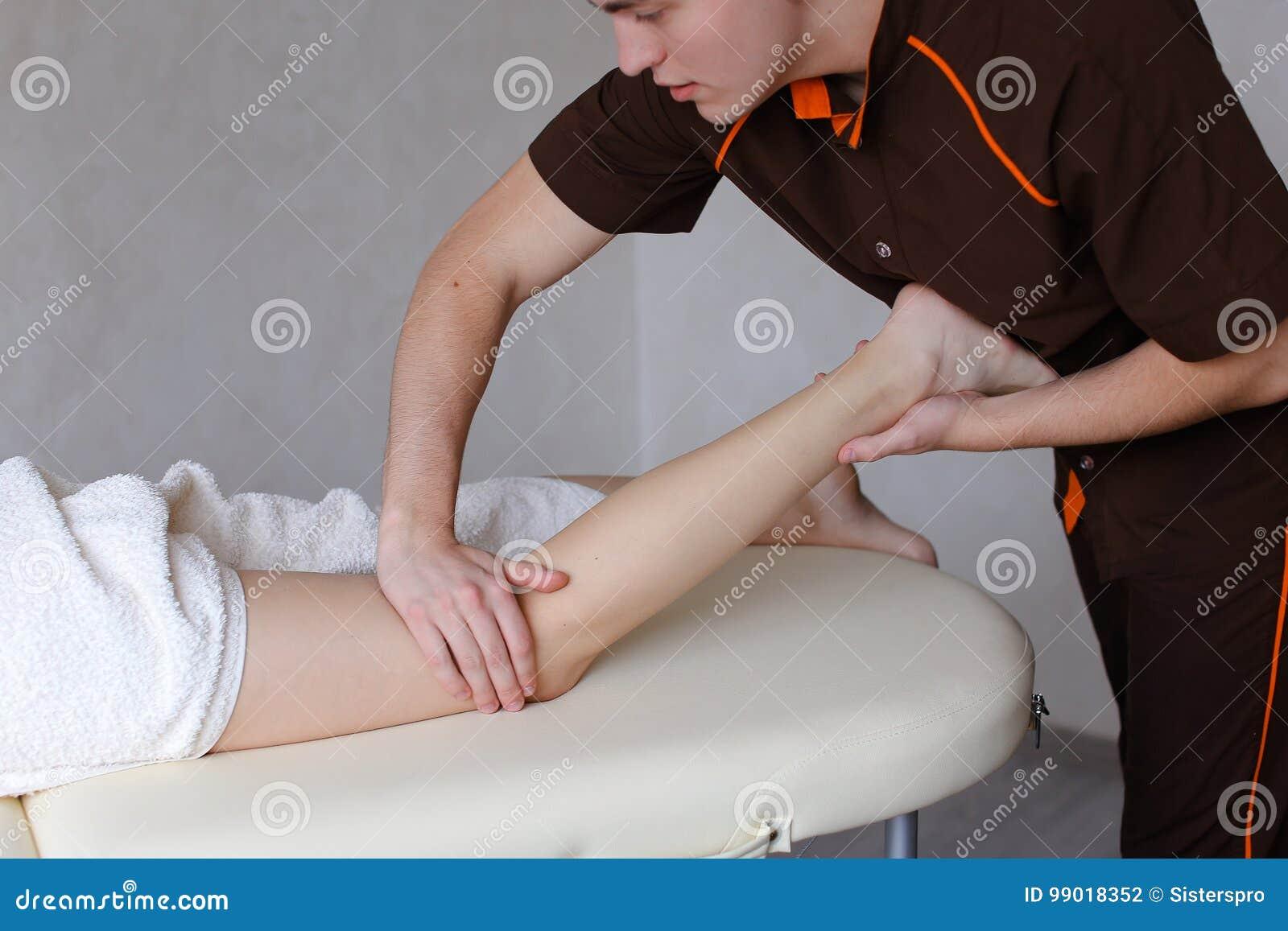 Массаж мужской девушкой секс массаж hd онлайн