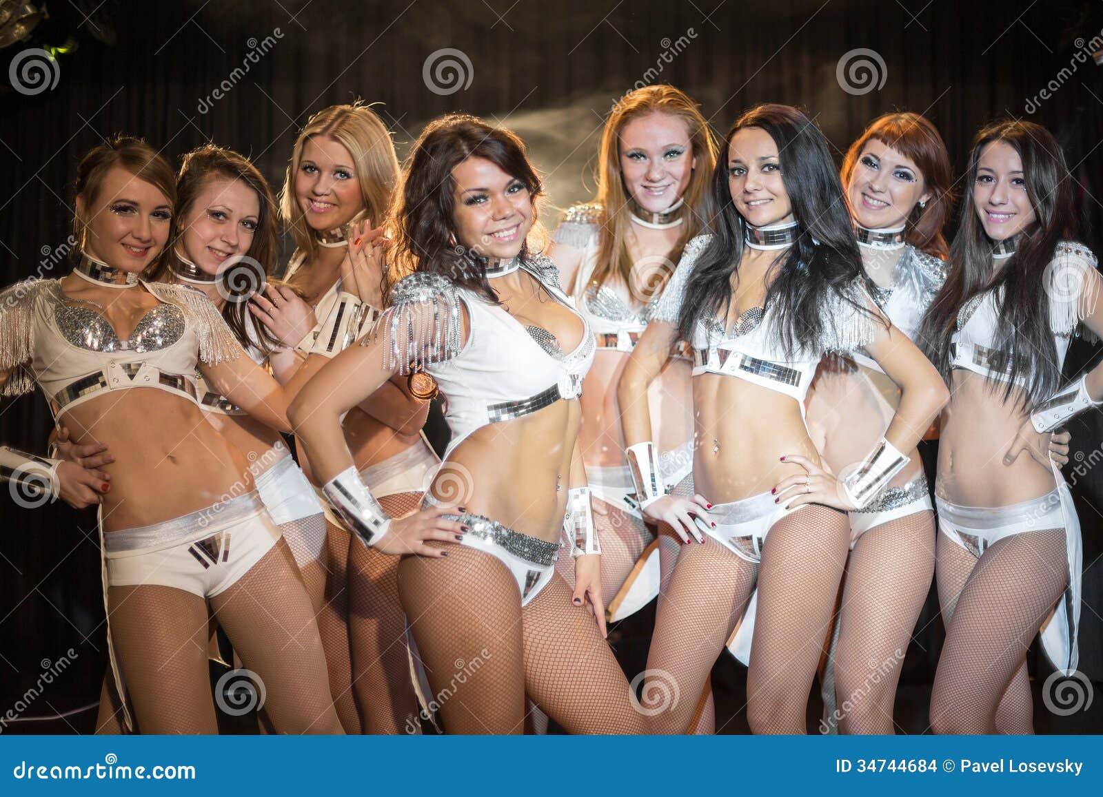 Фото красивых танцовщиц фото 350-170