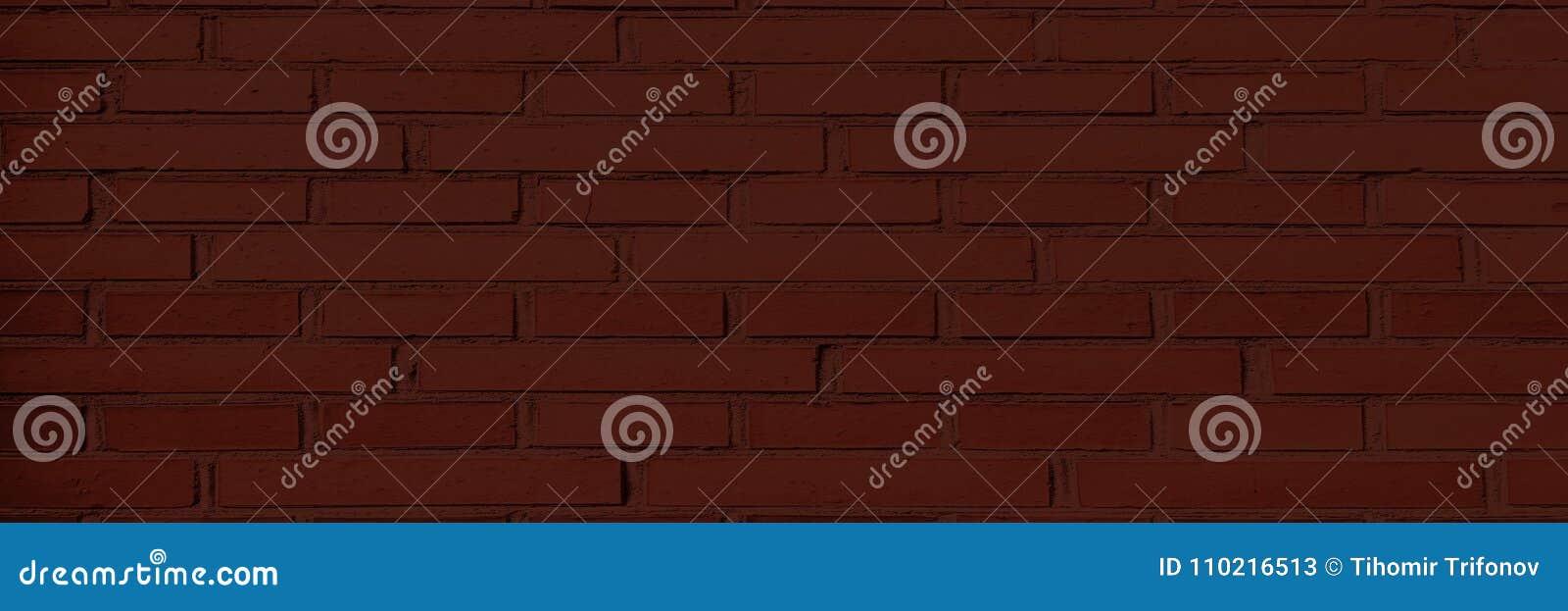 Красная кирпичная стена, темная предпосылка для дизайна Часть кирпичной стены покрашенной красным цветом пусто