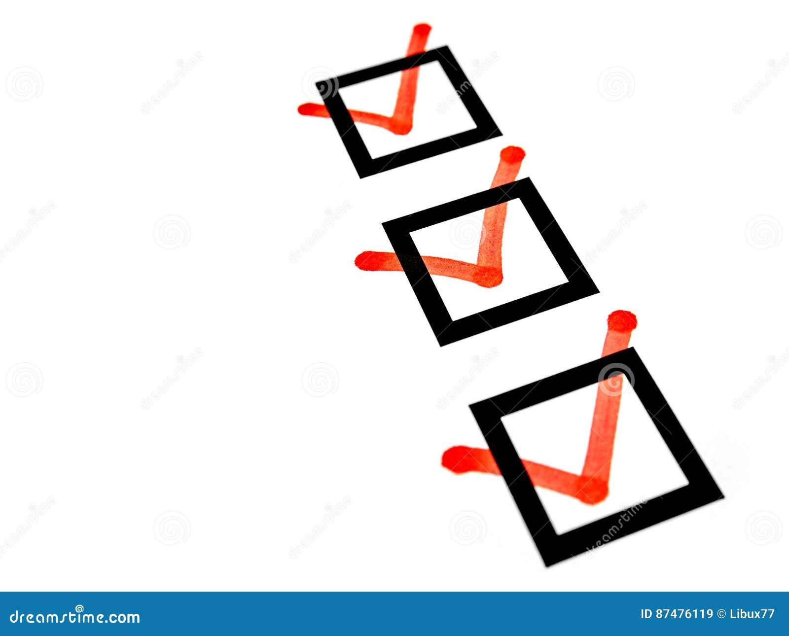 Красные знаки контрольного списока флажков