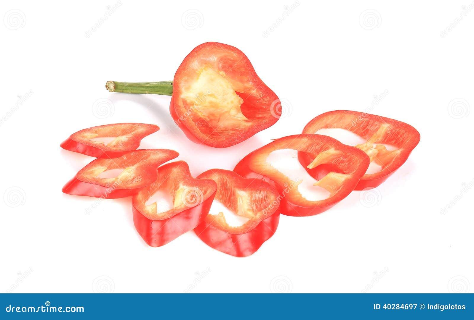 Красные куски перца