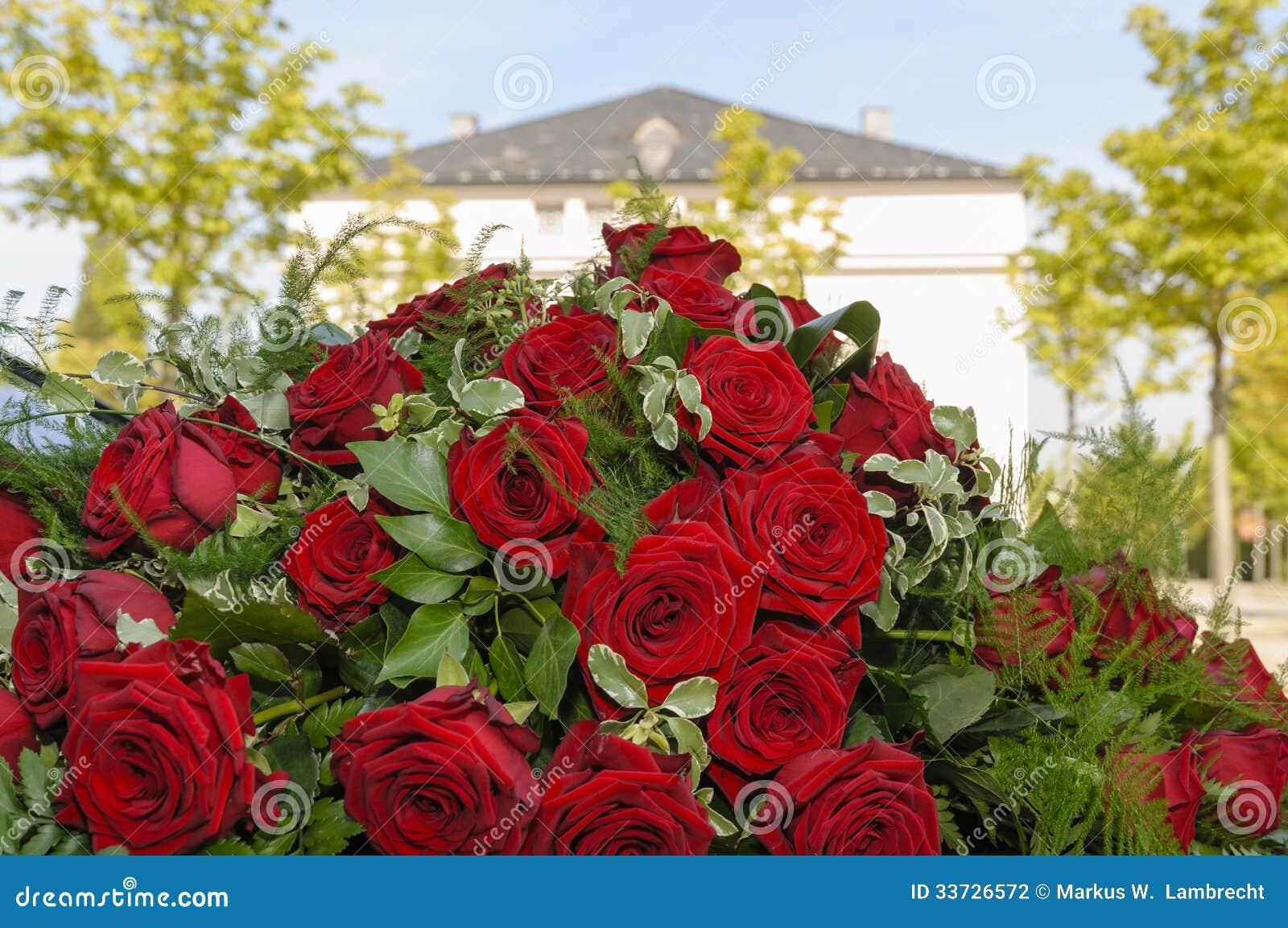 Красные розы свадьбы