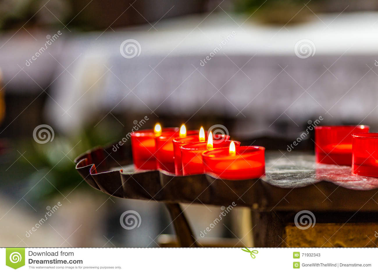 Красные votive tealights