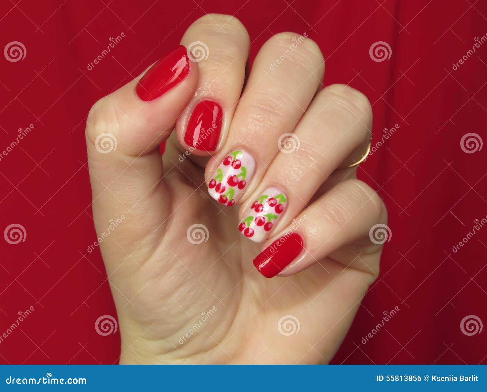 Вишня на ногтях маникюр