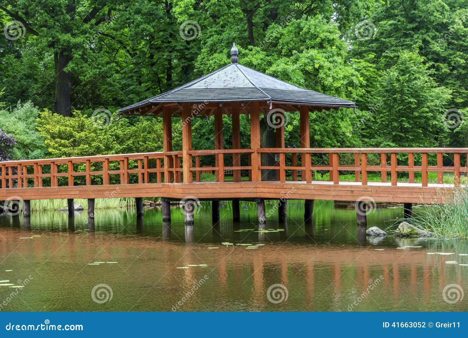 Красный мост с павильоном взгляда, bashi yumedono, в японском gar