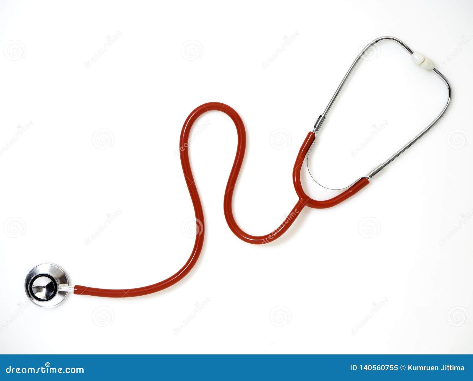 Красный стетоскоп изолированный на белой предпосылке