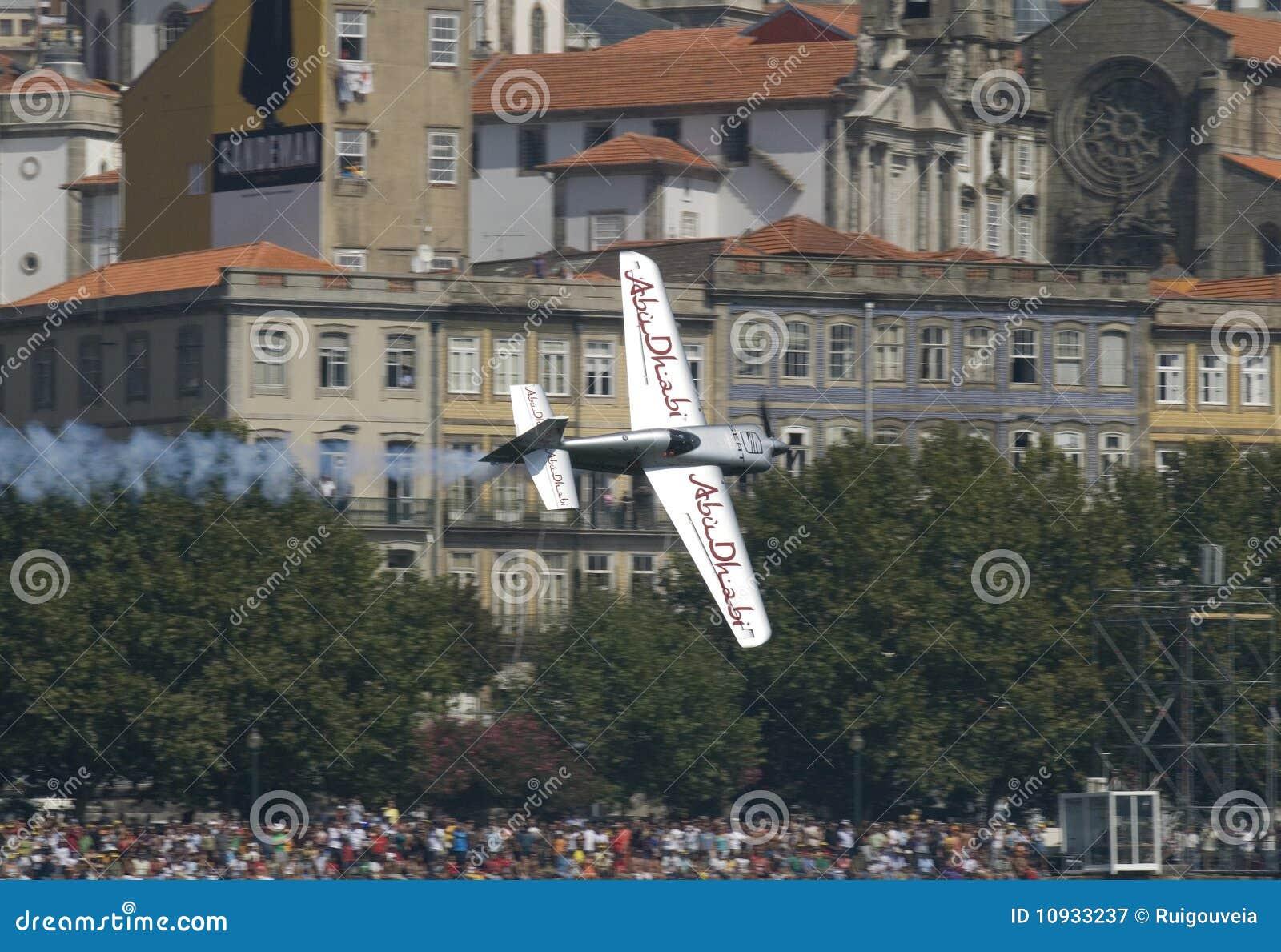 красный цвет гонки Португалии быка воздуха 2009