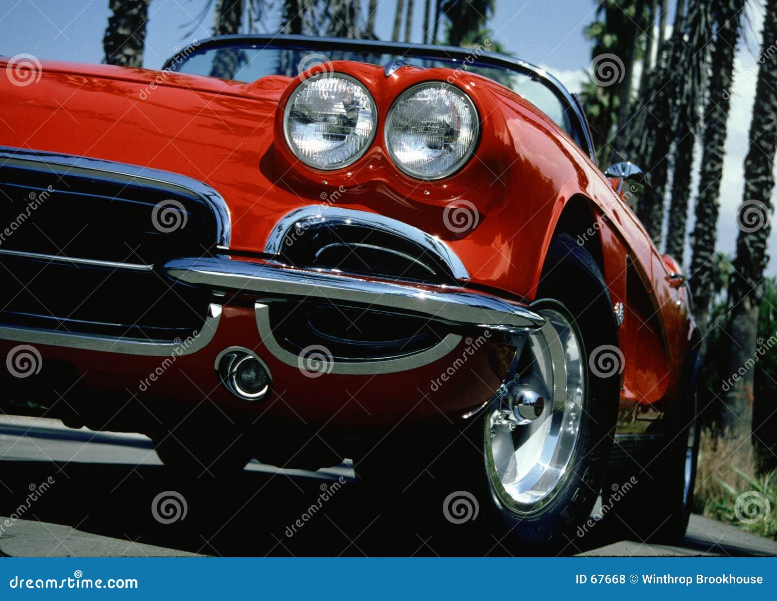 красный цвет машины потехи