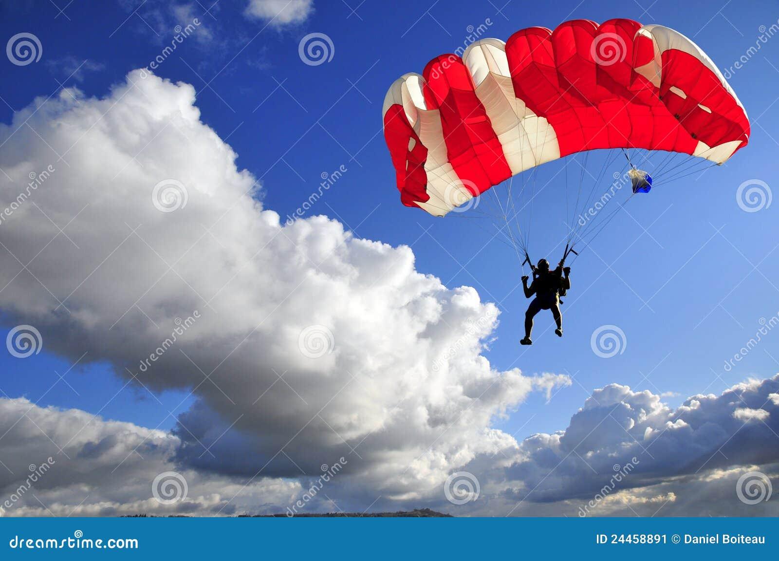 красный цвет парашюта