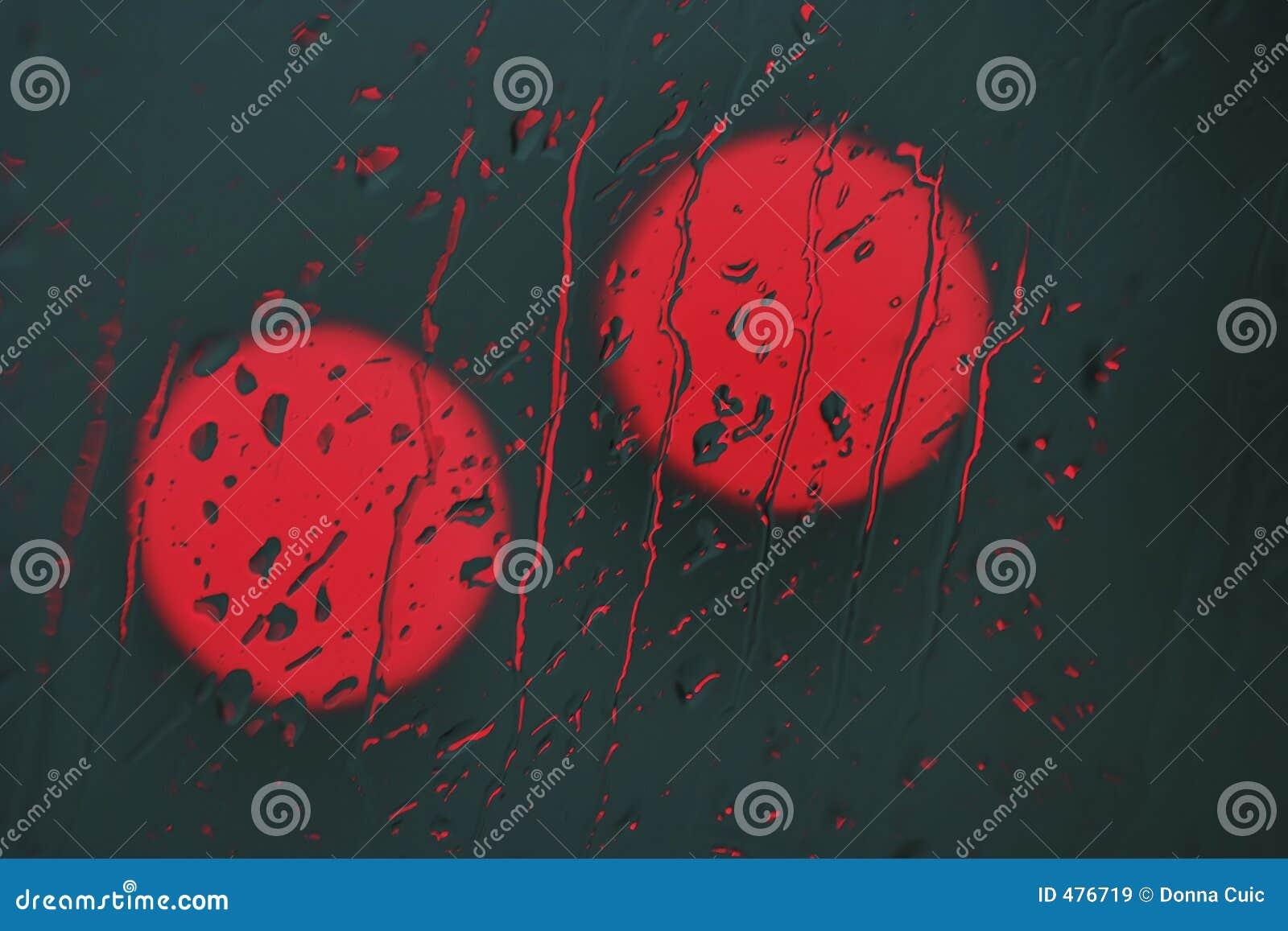 красный цвет светлого дождя