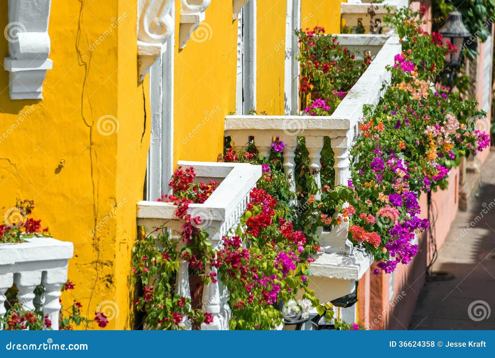 Красочные балконы