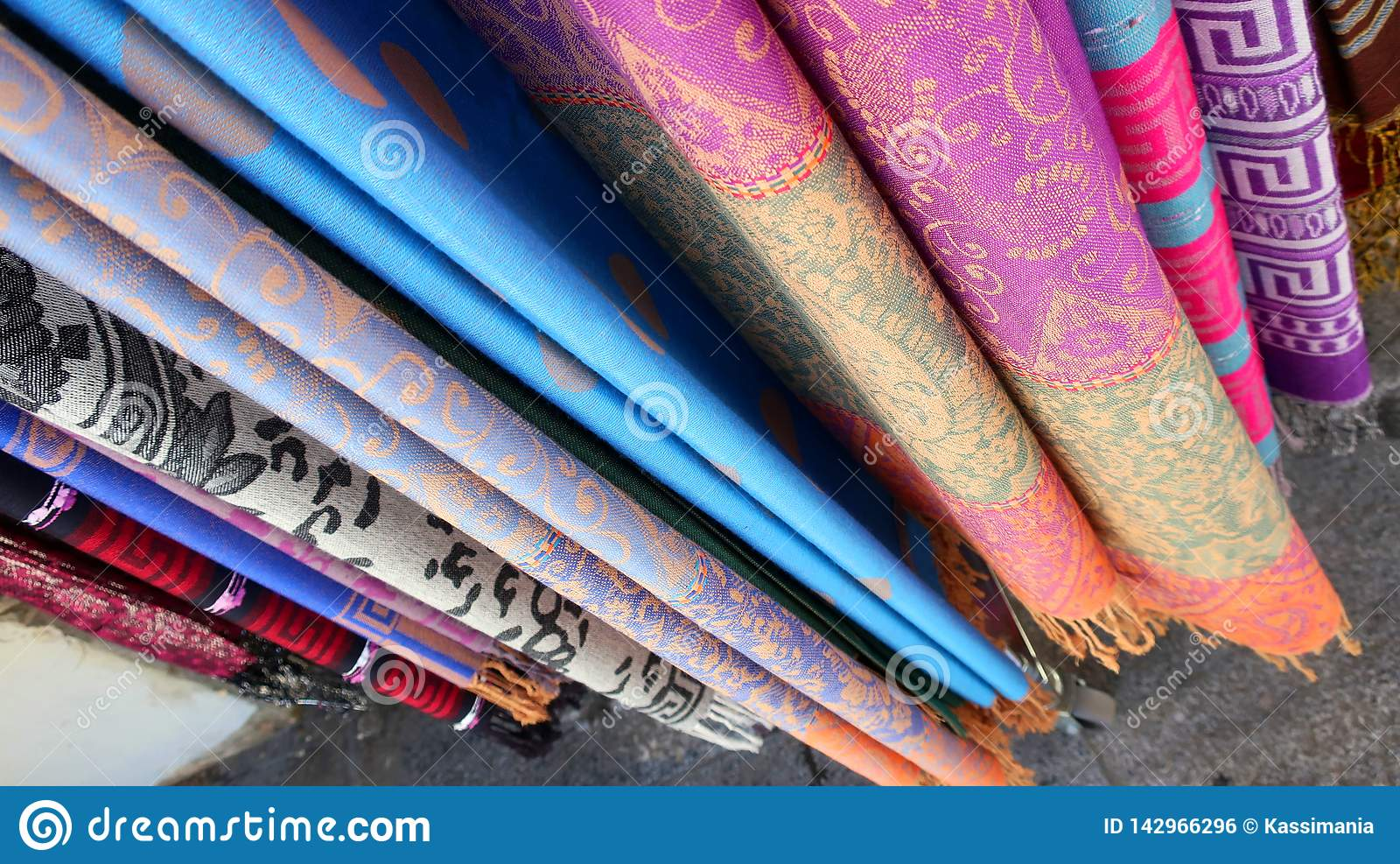 Красочные дизайны текстуры шелка