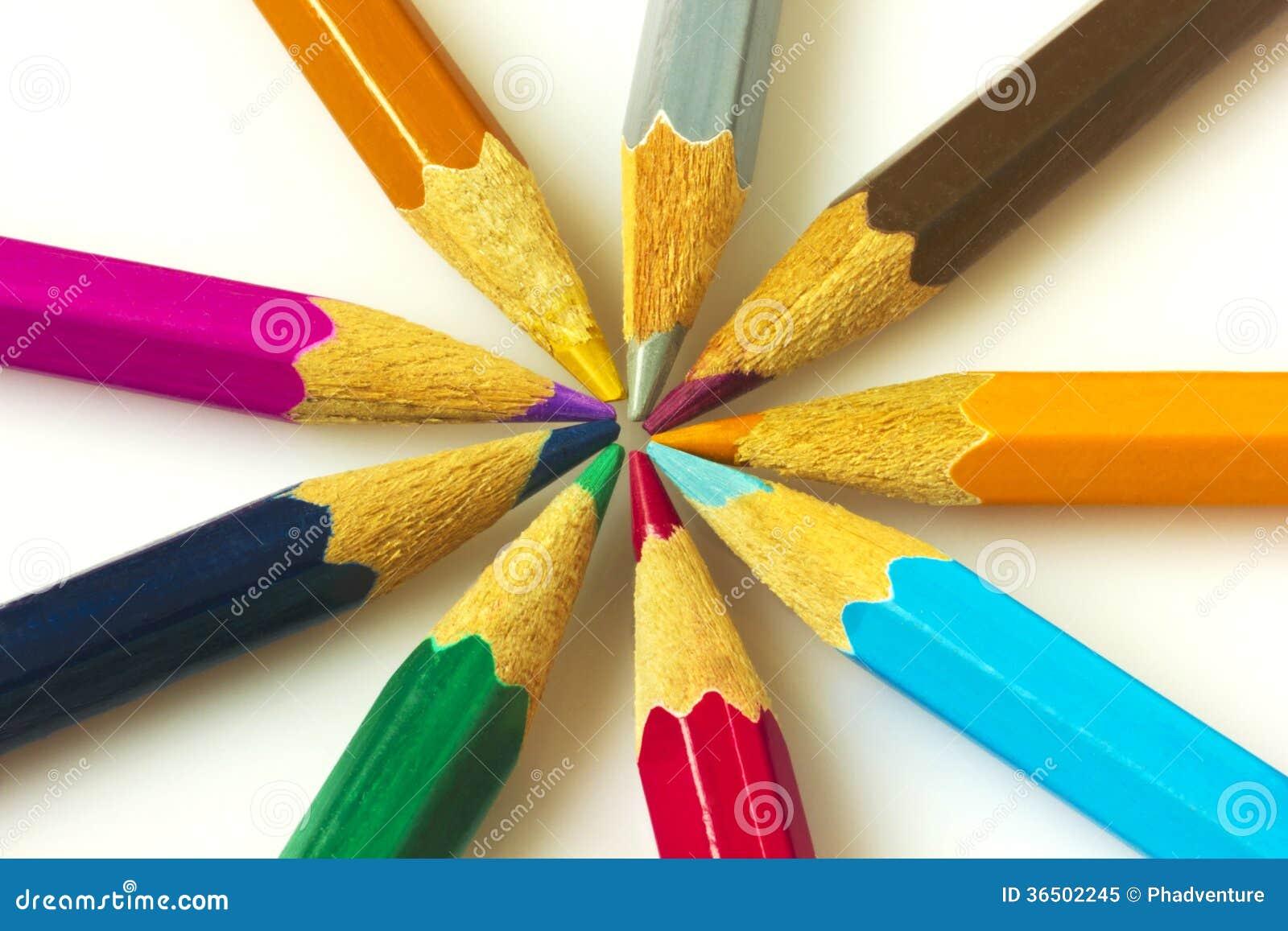 Красочные карандаши