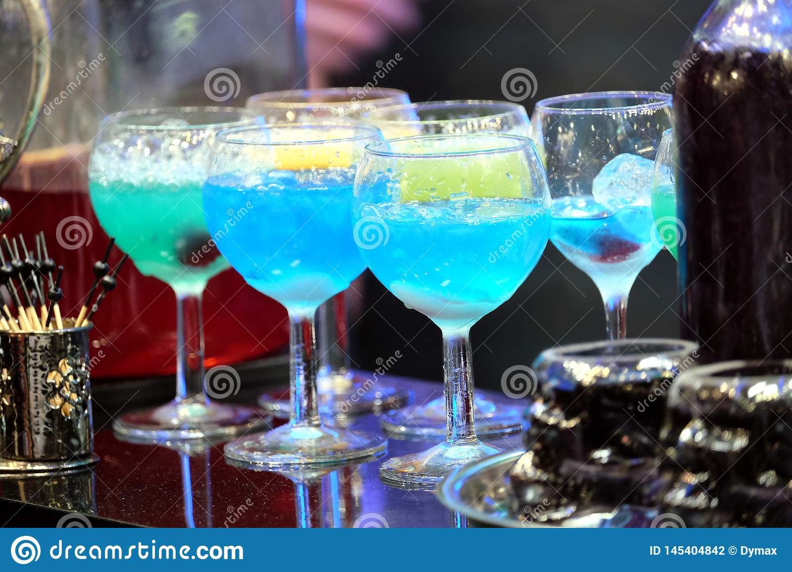 коктейли для ночного клуба