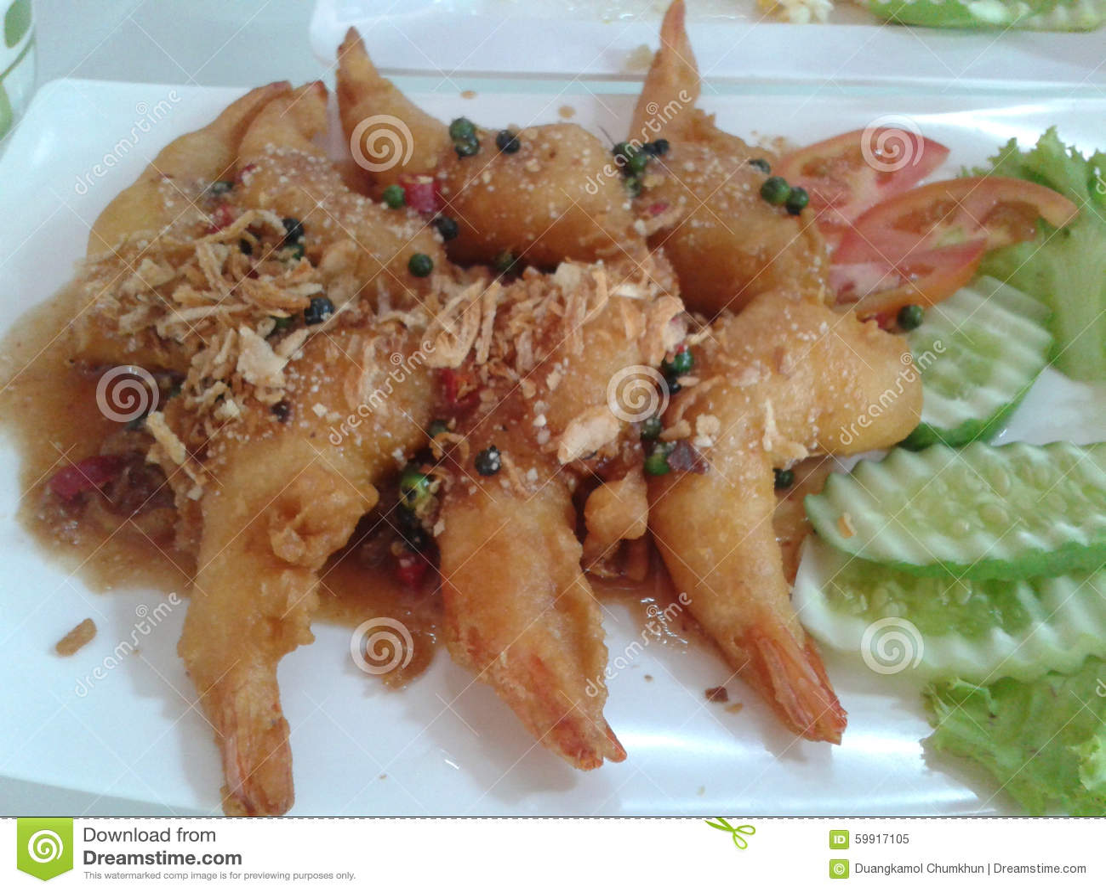 Креветка зажаренная с едой соуса тамаринда тайской