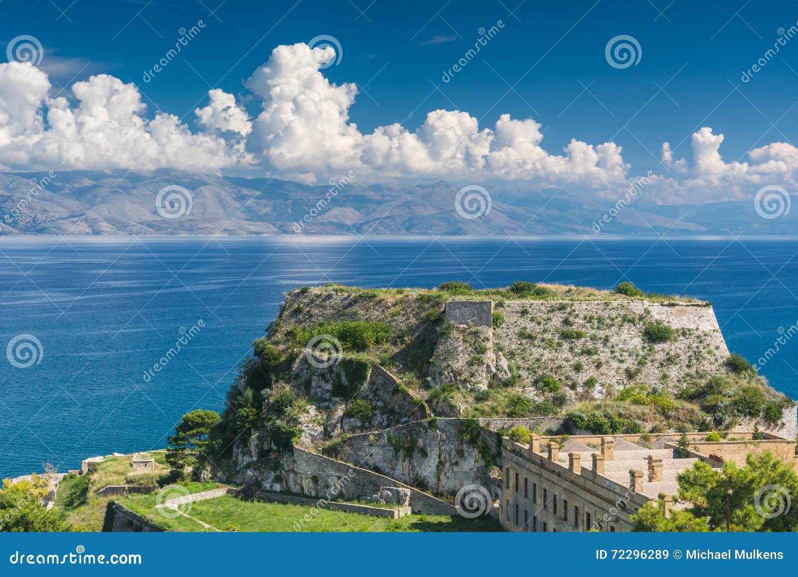 Download Крепость в городе Корфу, Греции Стоковое Изображение - изображение насчитывающей зодчества, высоко: 72296289