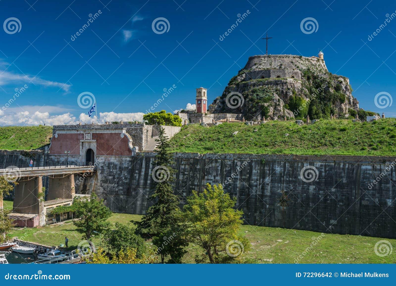 Download Крепость в городе Корфу, Греции Редакционное Фотография - изображение насчитывающей день, праздник: 72296642