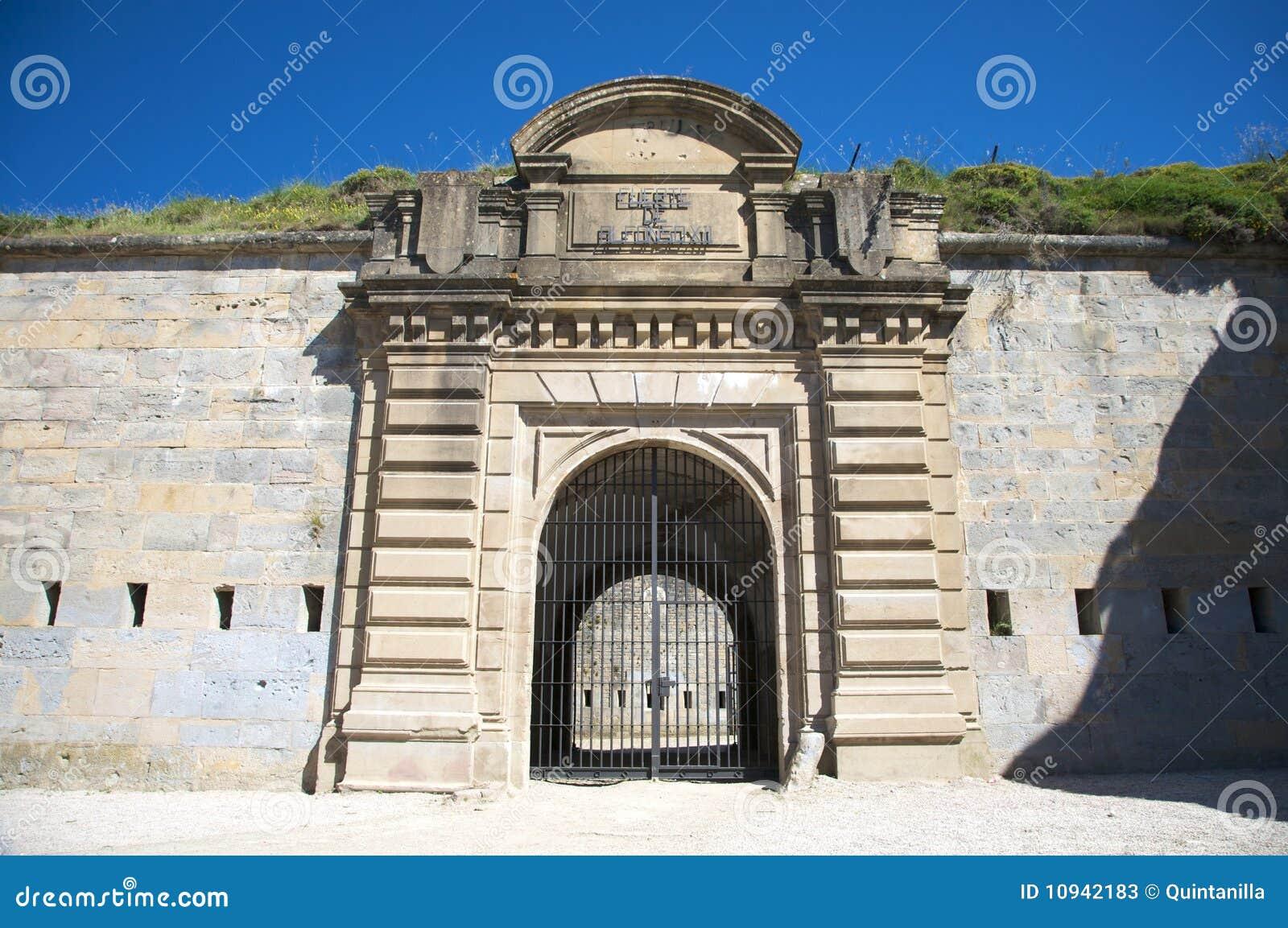 Крепость pamplona