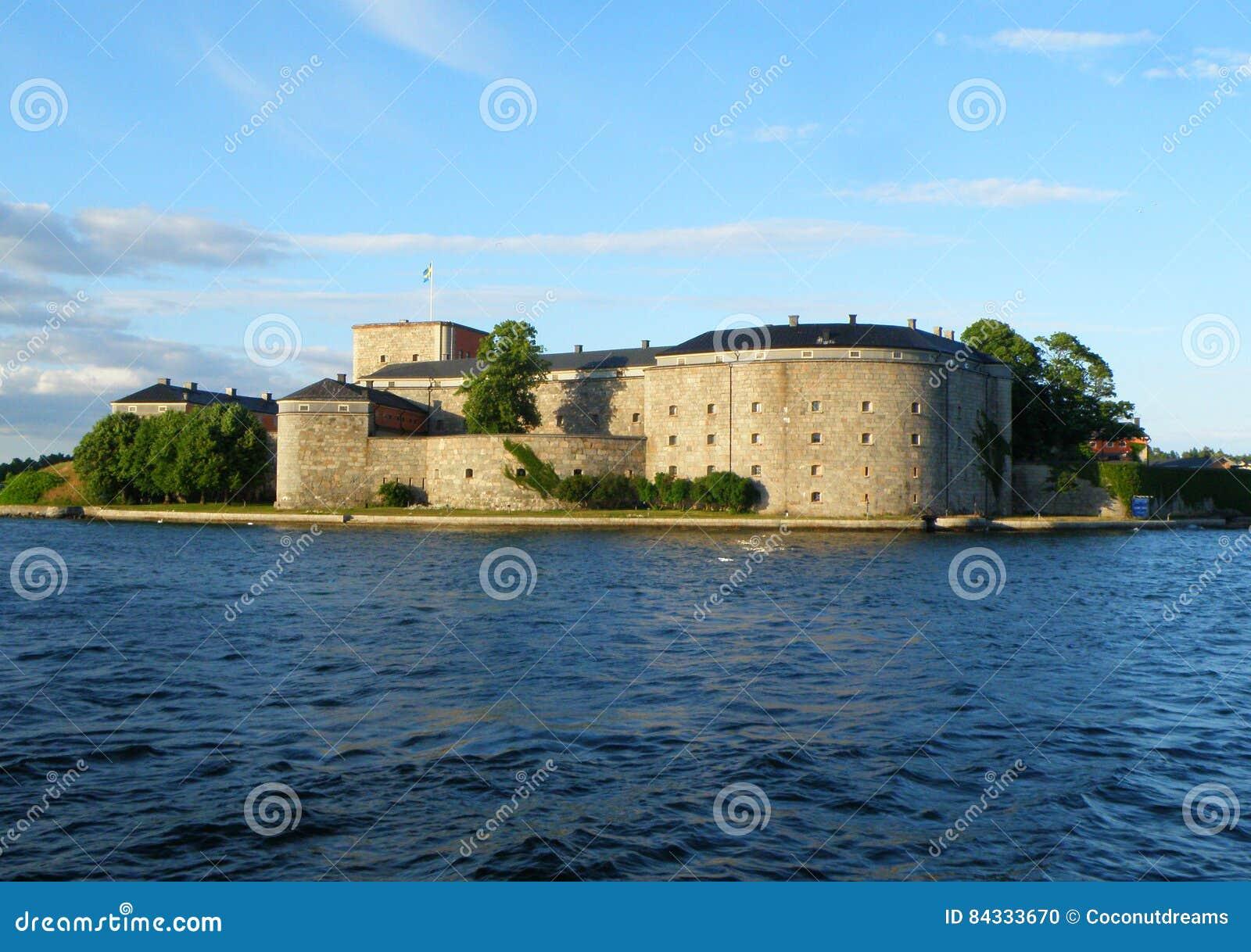 Крепость Vaxholm, историческое городище в архипелаге Стокгольма